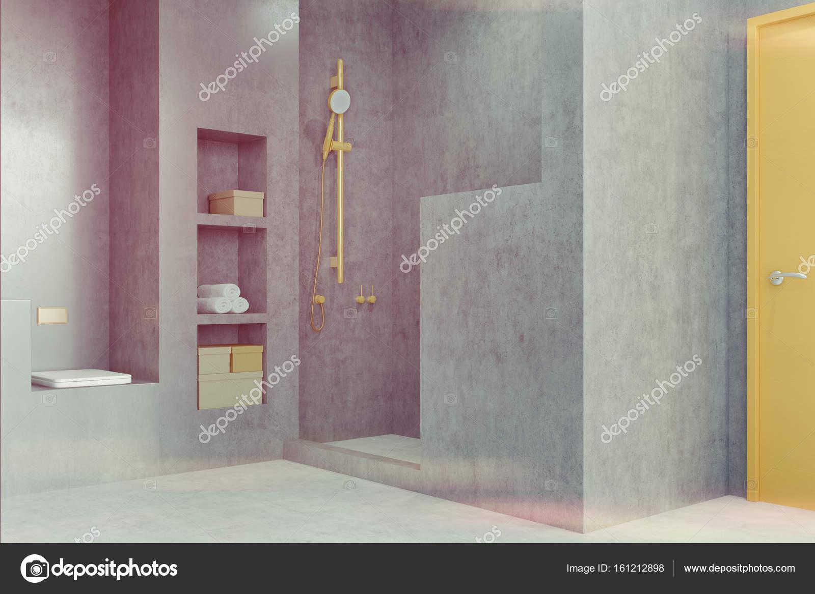 Graue Badezimmer Interieur Mit Einer Dusche, Einem Regal Und Einen  Kleiderschrank. Marmorboden, Modernes Design. Konzept Für Ein Gemütliches  Zuhause.