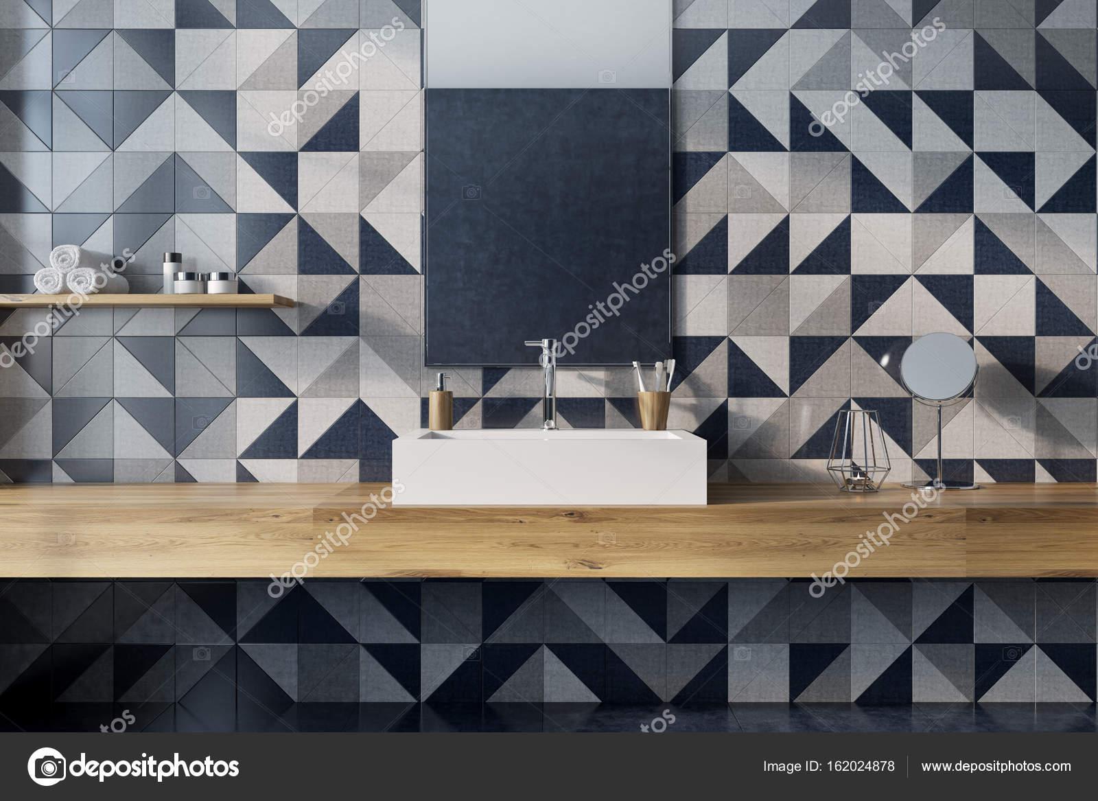 Lusso bagno interni mosaico muro legno u foto stock
