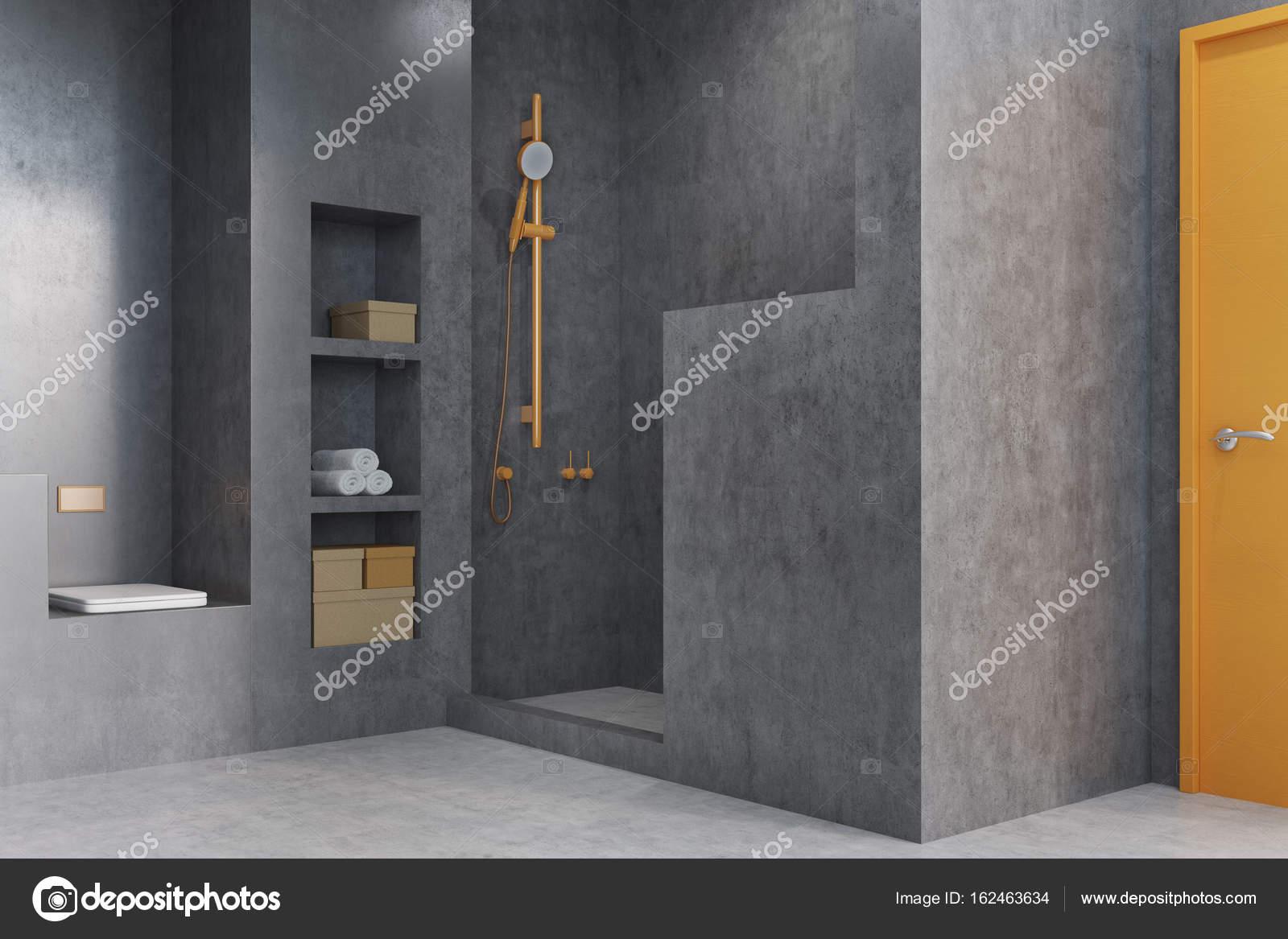 Een Gezellige Badkamer : Grijze badkamer met een douche kast u stockfoto denisismagilov