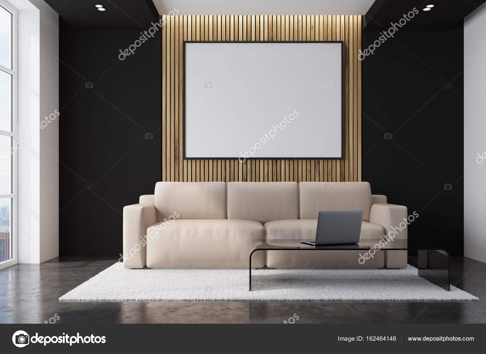 Sala de estar sofá beige con un cartel — Foto de stock ...
