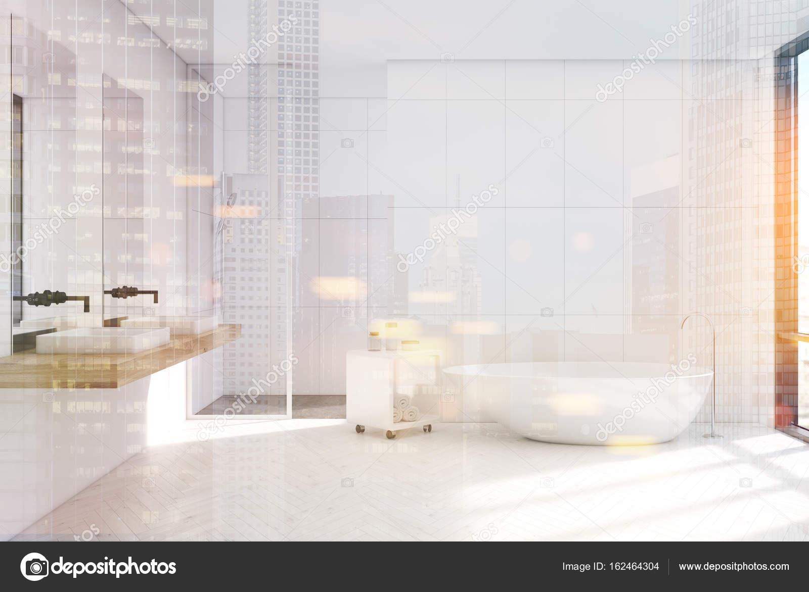Ville de nuit intérieur, salle de bains moderne blanc ...