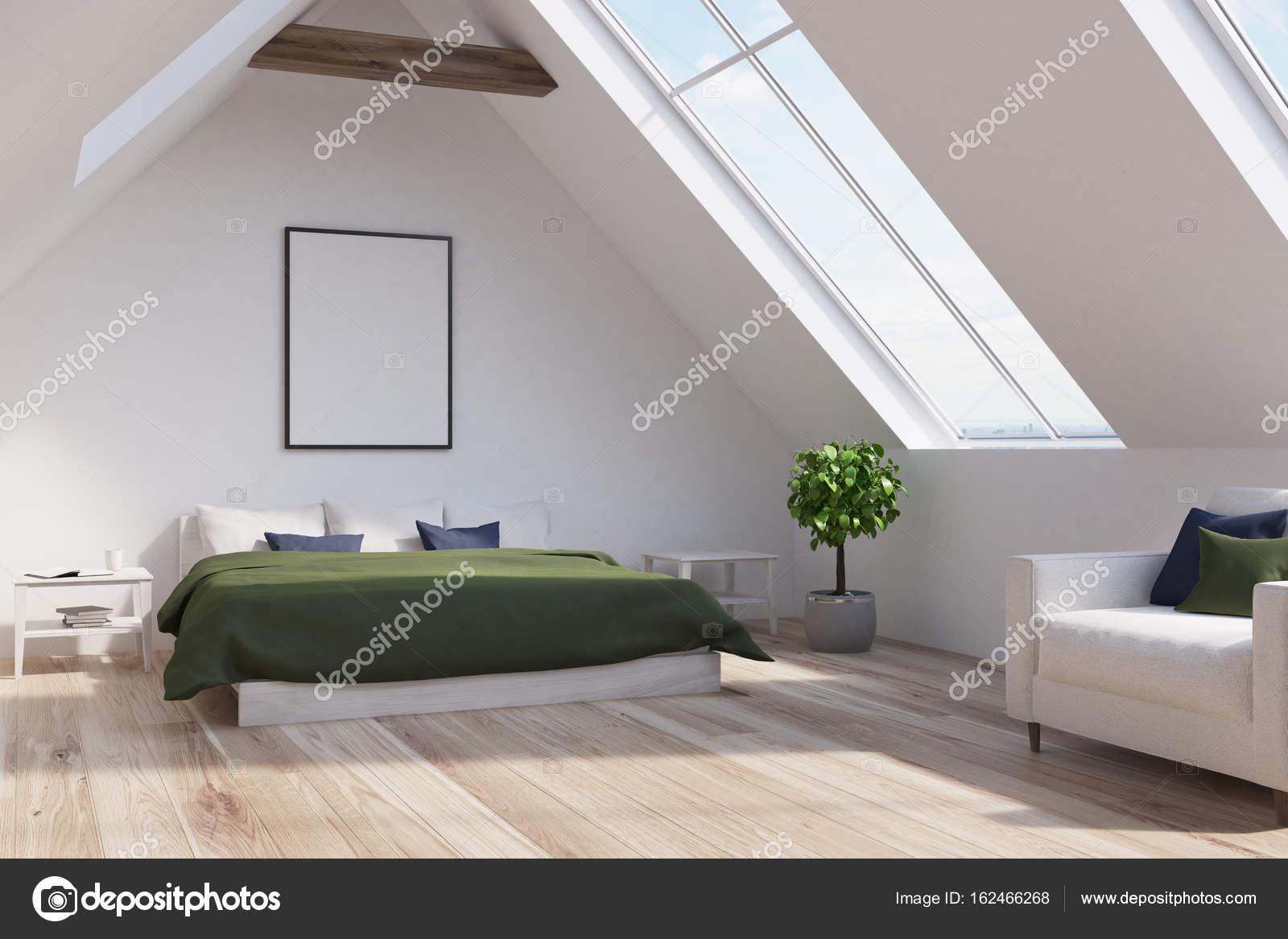 Dachgeschoss Schlafzimmer mit grünen Bett, Plakat, Seite — Stockfoto ...