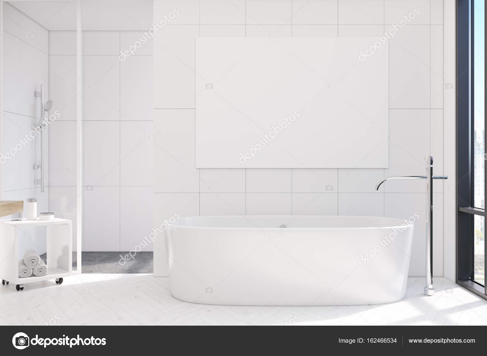 Gefliestes Badezimmer, Runde Badewanne, poster — Stockfoto ...