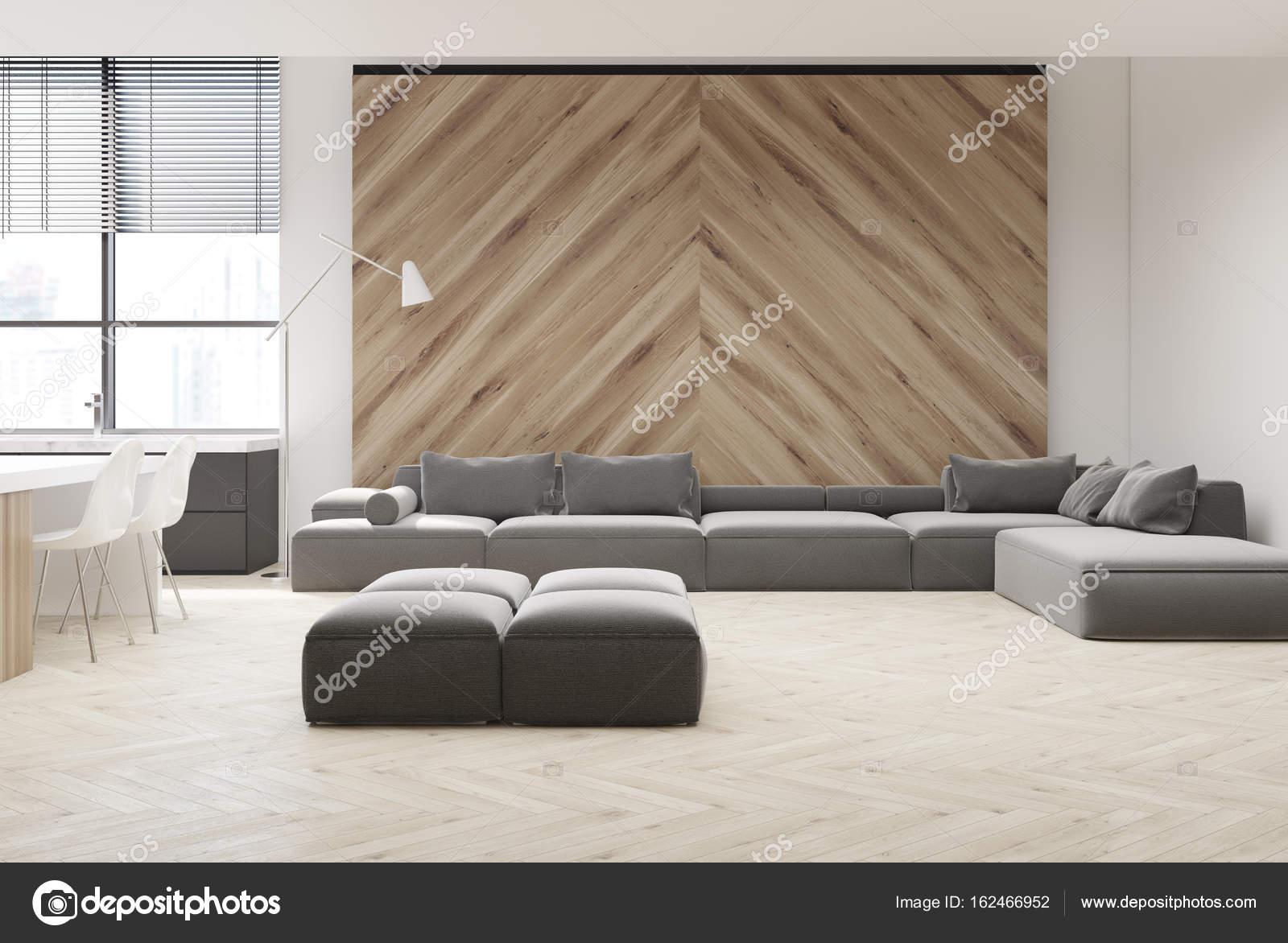 Graue Sofa Wohnzimmer, Holzwand U2014 Stockfoto