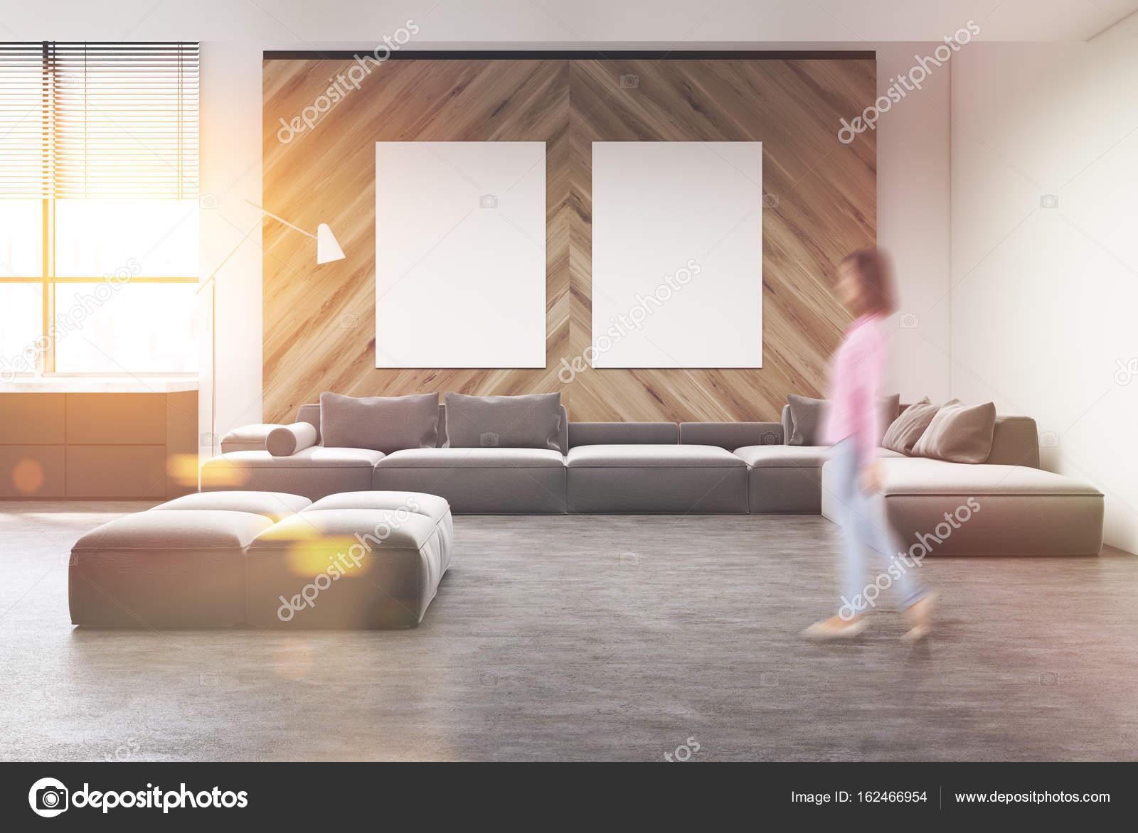 Gris sofá salón, cartel, mujer — Fotos de Stock © denisismagilov ...