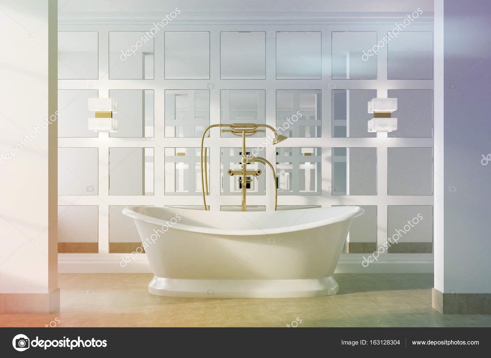 Vintage Bad, weiße Wanne, getönt — Stockfoto © denisismagilov #163128304