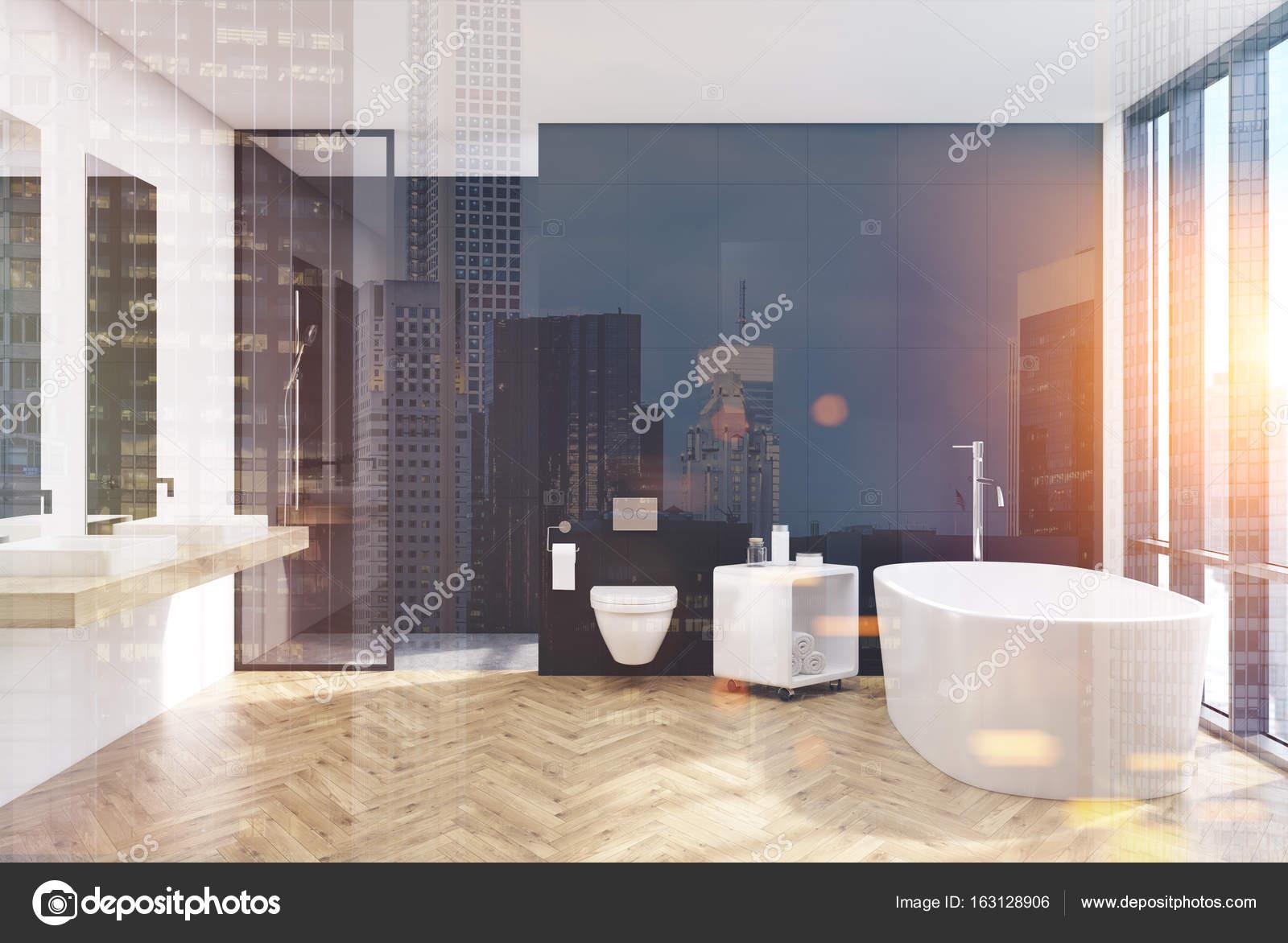WC intérieur, salle de bains moderne noir, nuit — Photographie ...