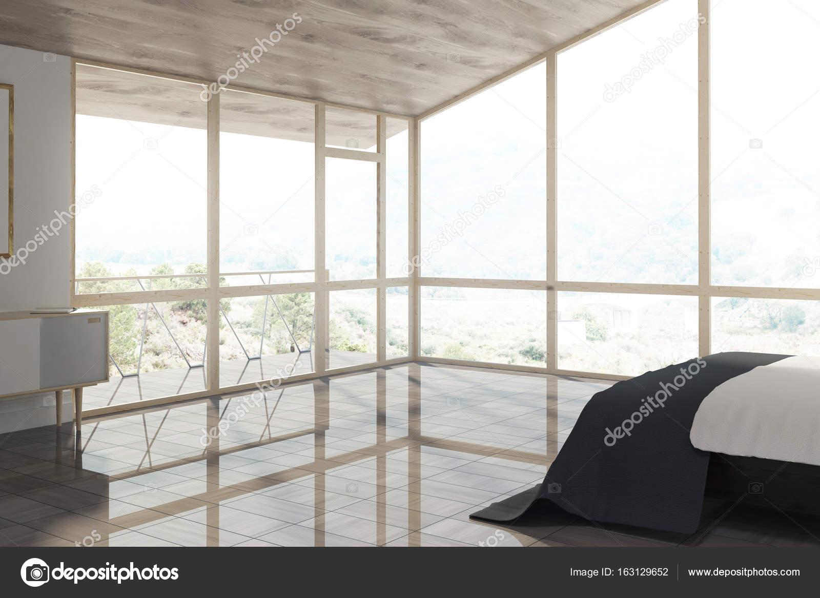 Camera da letto soppalco con un letto nero — Foto Stock ...