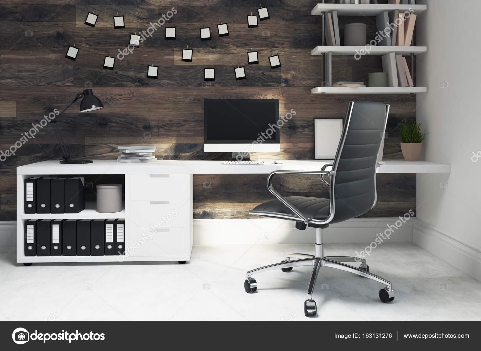 Chaise de bureau maison en bois foncé noir côté u photographie