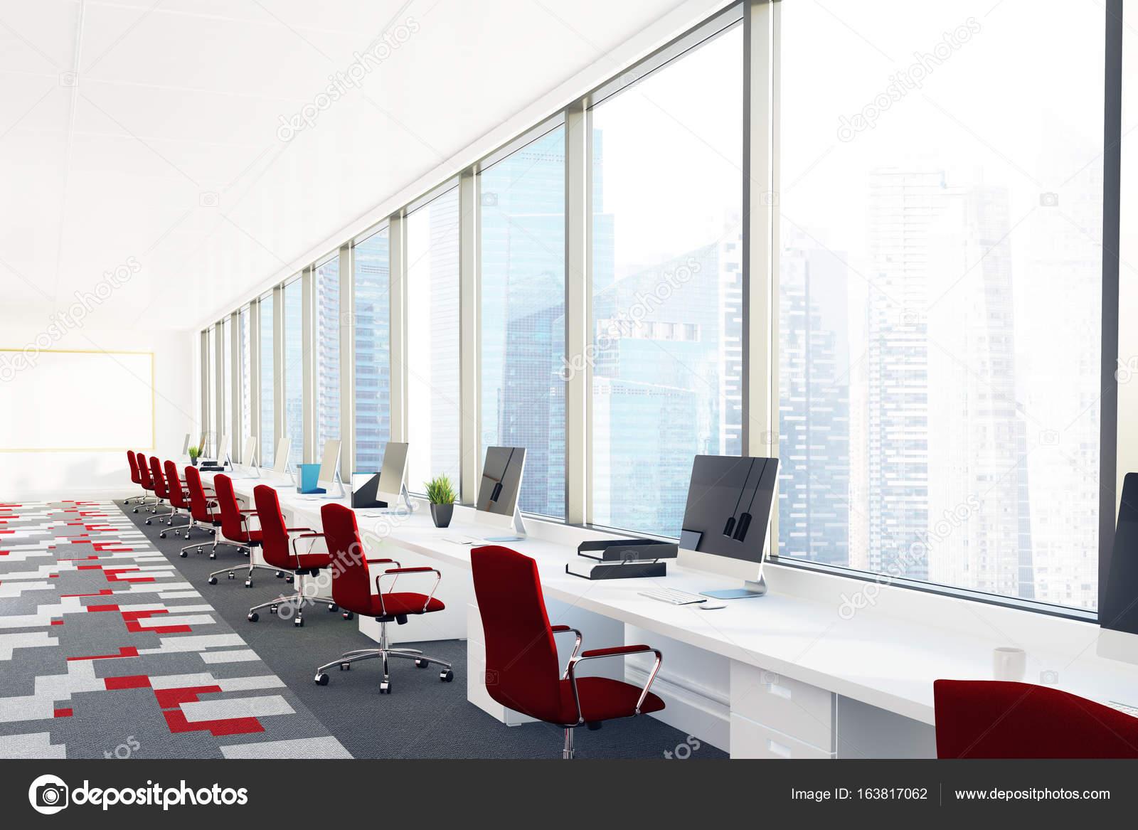 Ufficio Rosso E Bianco : Aprire ufficio con sedie rosse angolo u foto stock