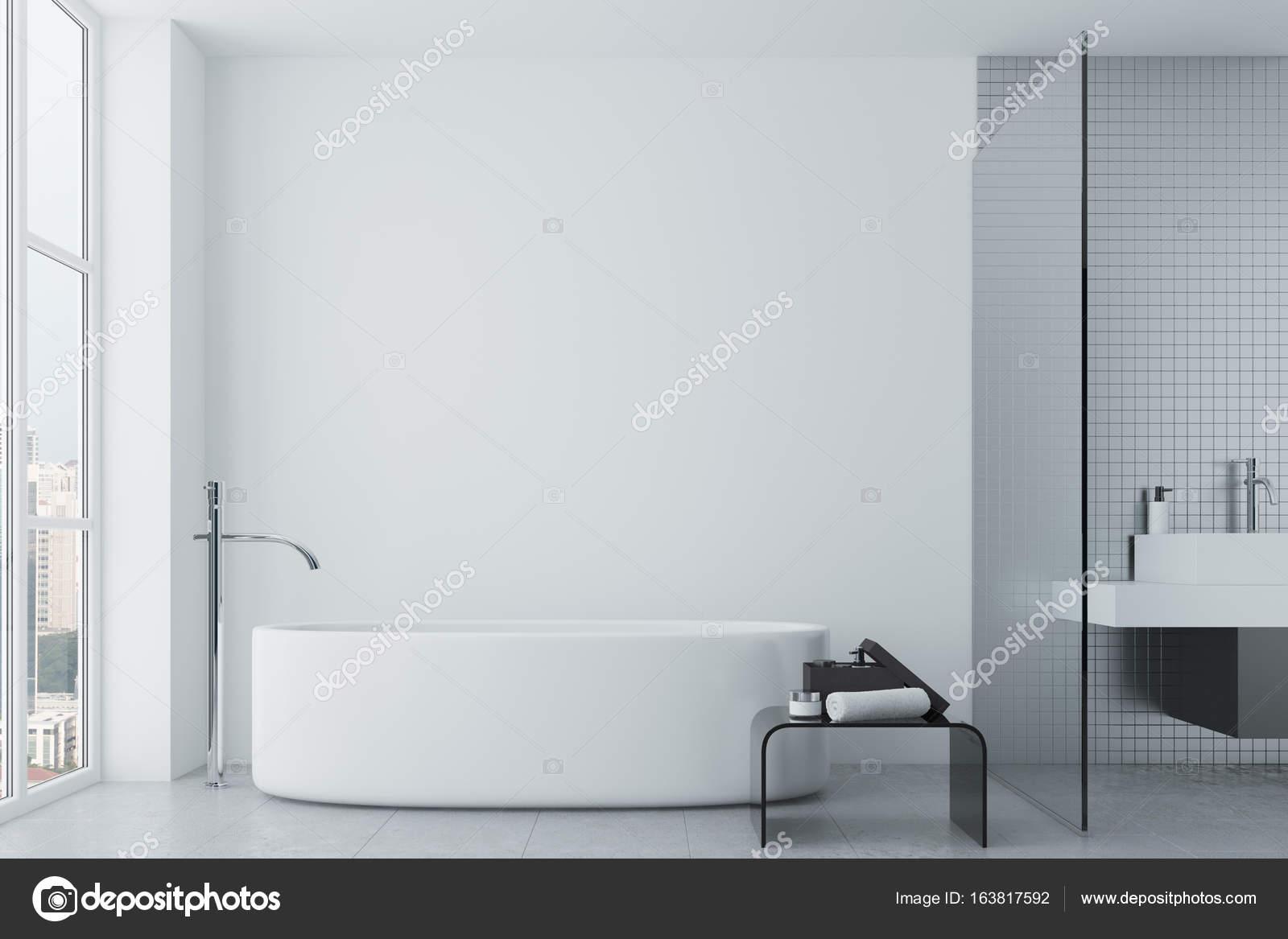 White bathroom, tiles and round tub — Stock Photo © denisismagilov ...