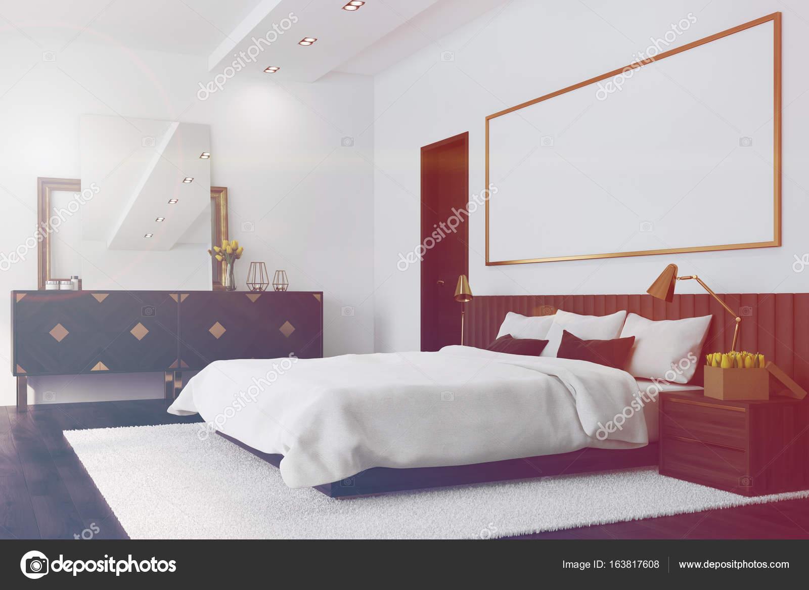 Weißes Schlafzimmer mit einem Poster, Ecke getönt — Stockfoto ...