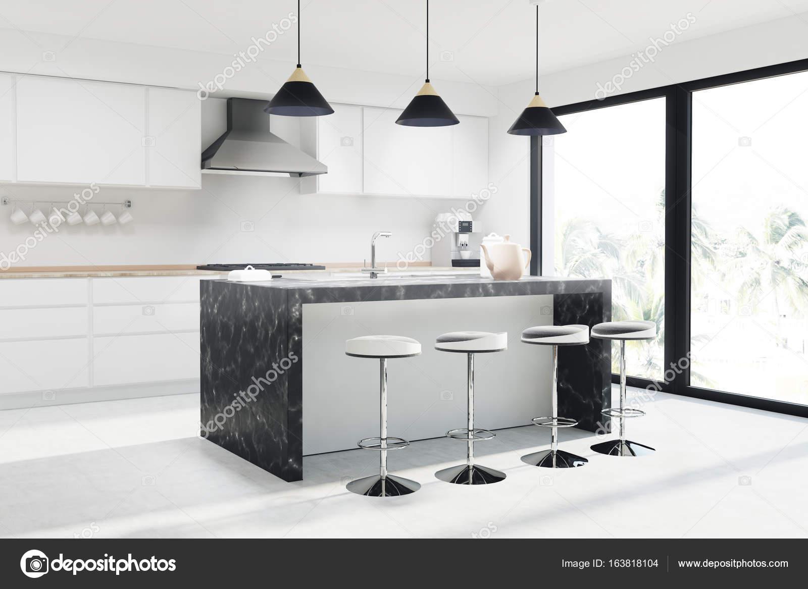 Bar in marmo bianco cucina sgabelli u foto stock denisismagilov