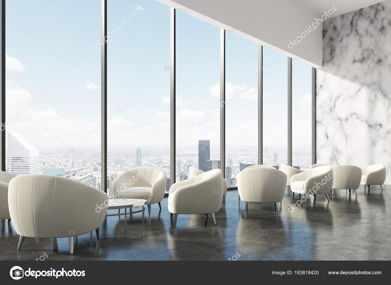 Sedie Ufficio Bianche : Area di attesa ufficio con poltrone bianche lato u2014 foto stock