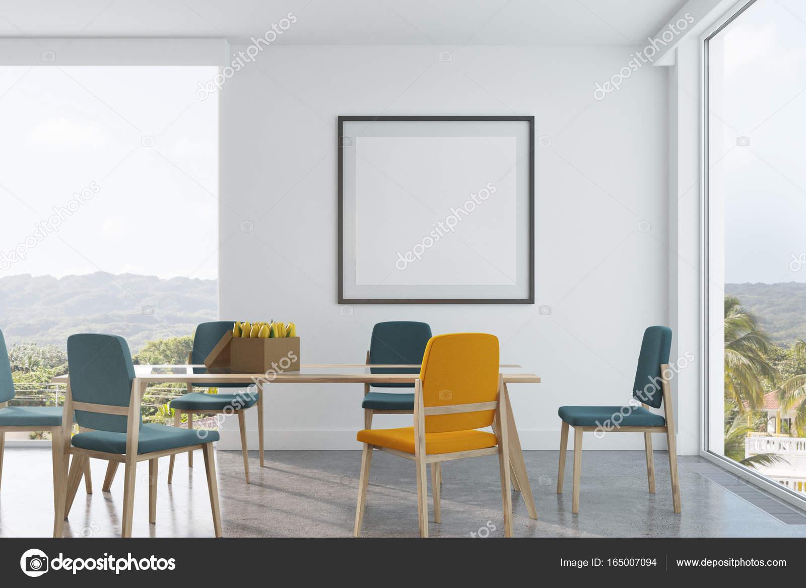 Grune Und Gelbe Stuhle Esszimmer Plakat Stockfoto