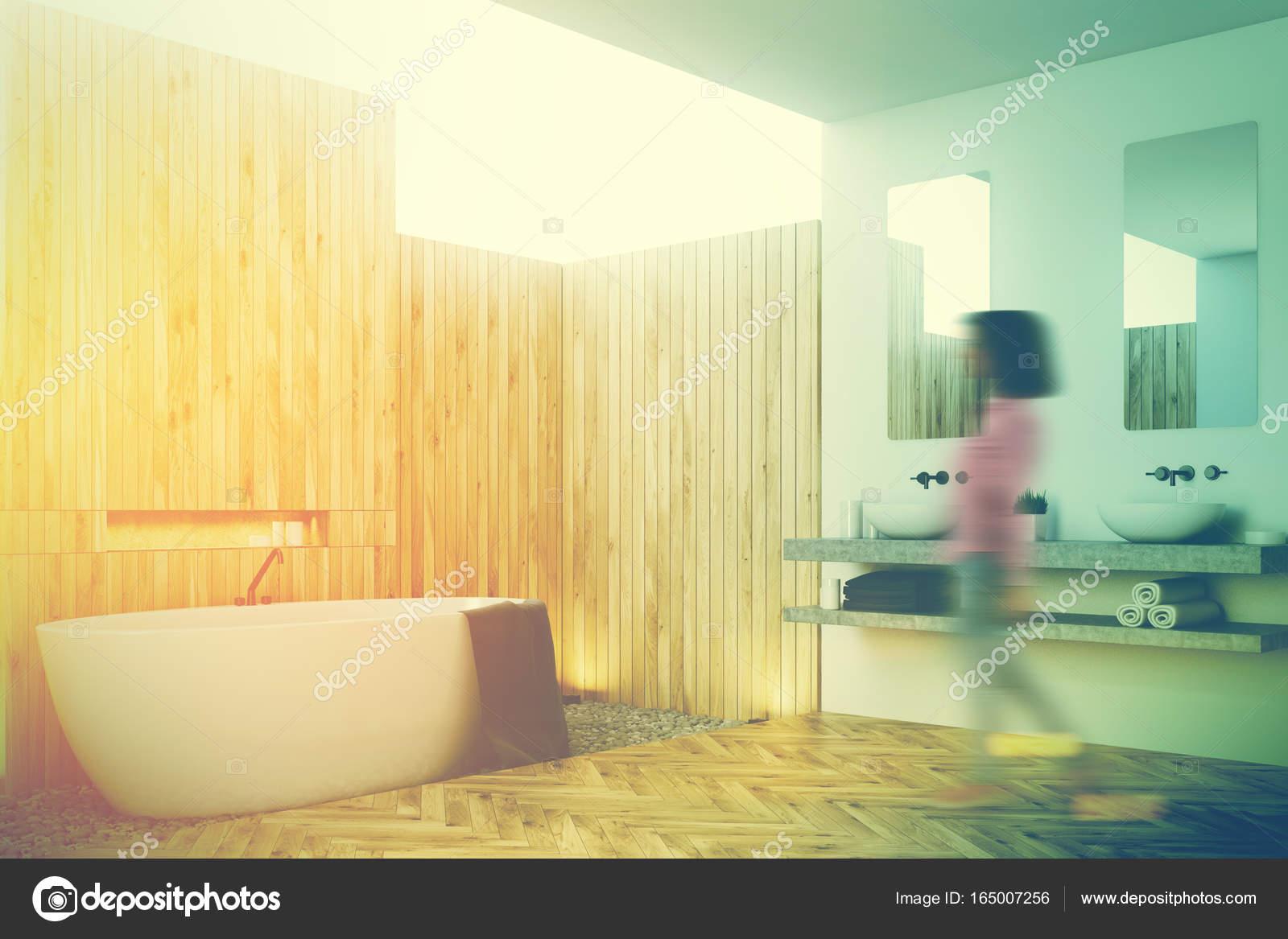 Houten badkamer interieur, dubbele wastafel, kant, meisje ...