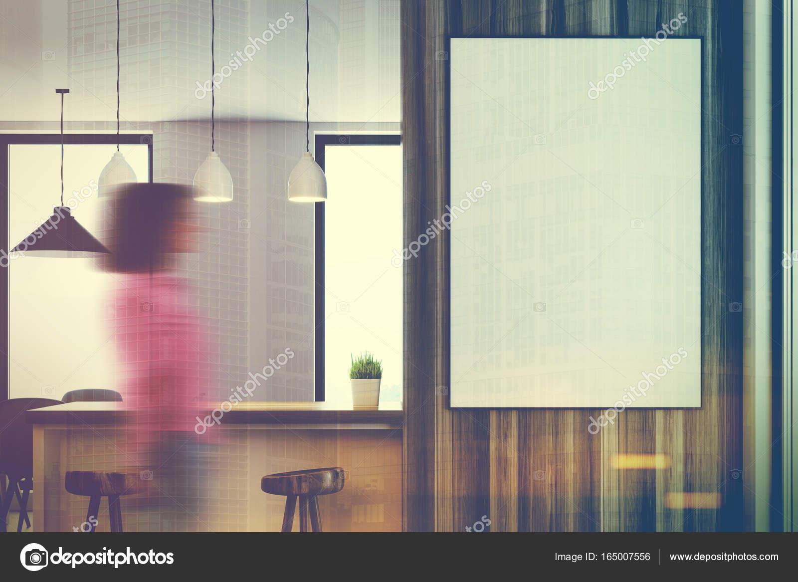 Cocina blanca de madera, mostradores, cartel, chica — Foto de stock ...