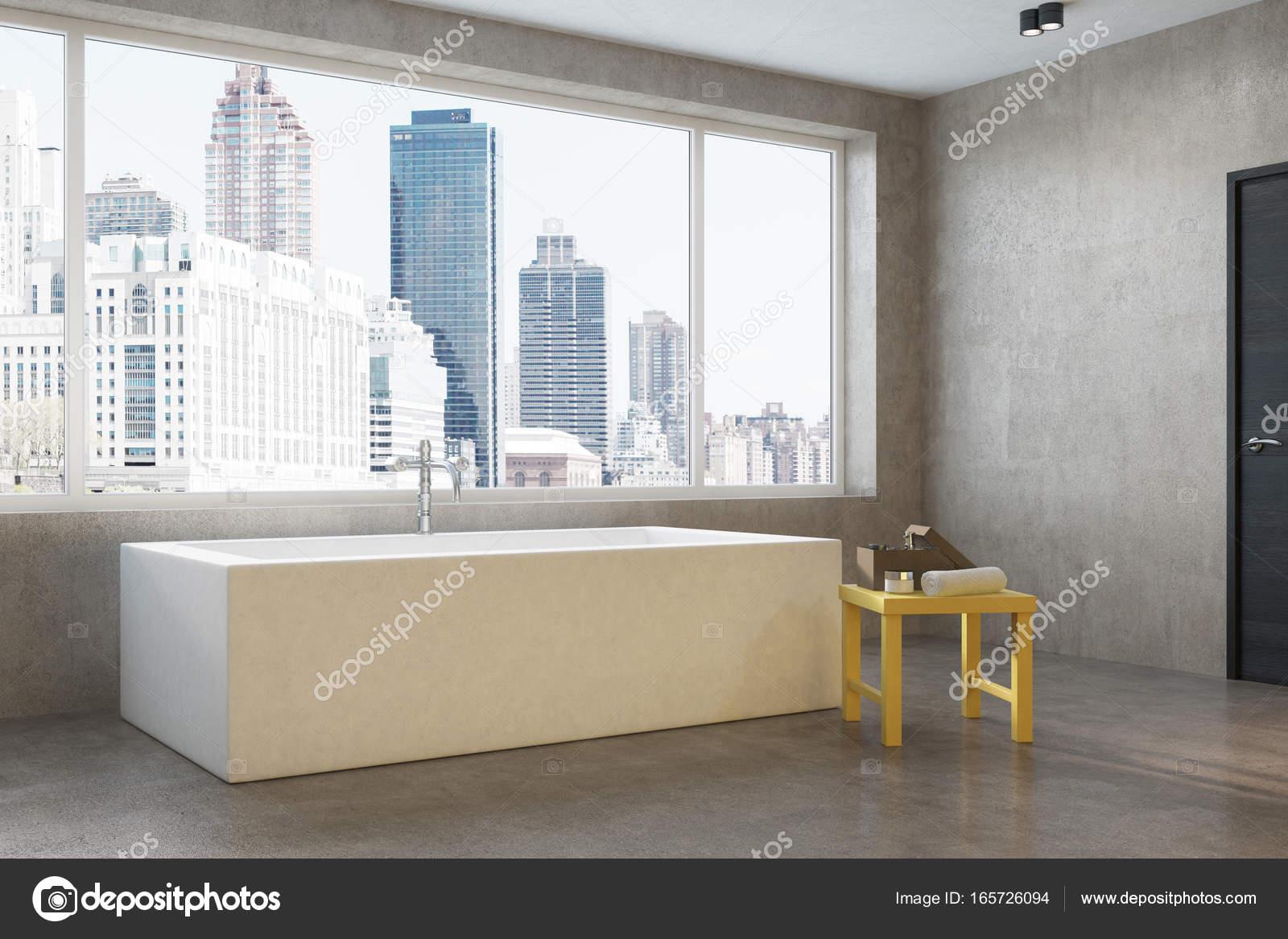 Stadtwohnung Eckige Badewanne Ecke Stockfoto C Denisismagilov