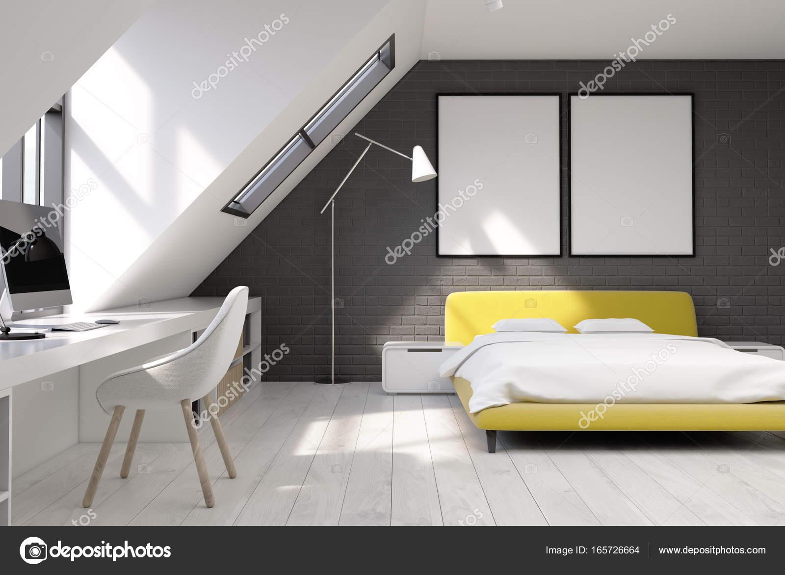 Baksteen muur slaapkamer en kantoor aan huis, geel — Stockfoto ...