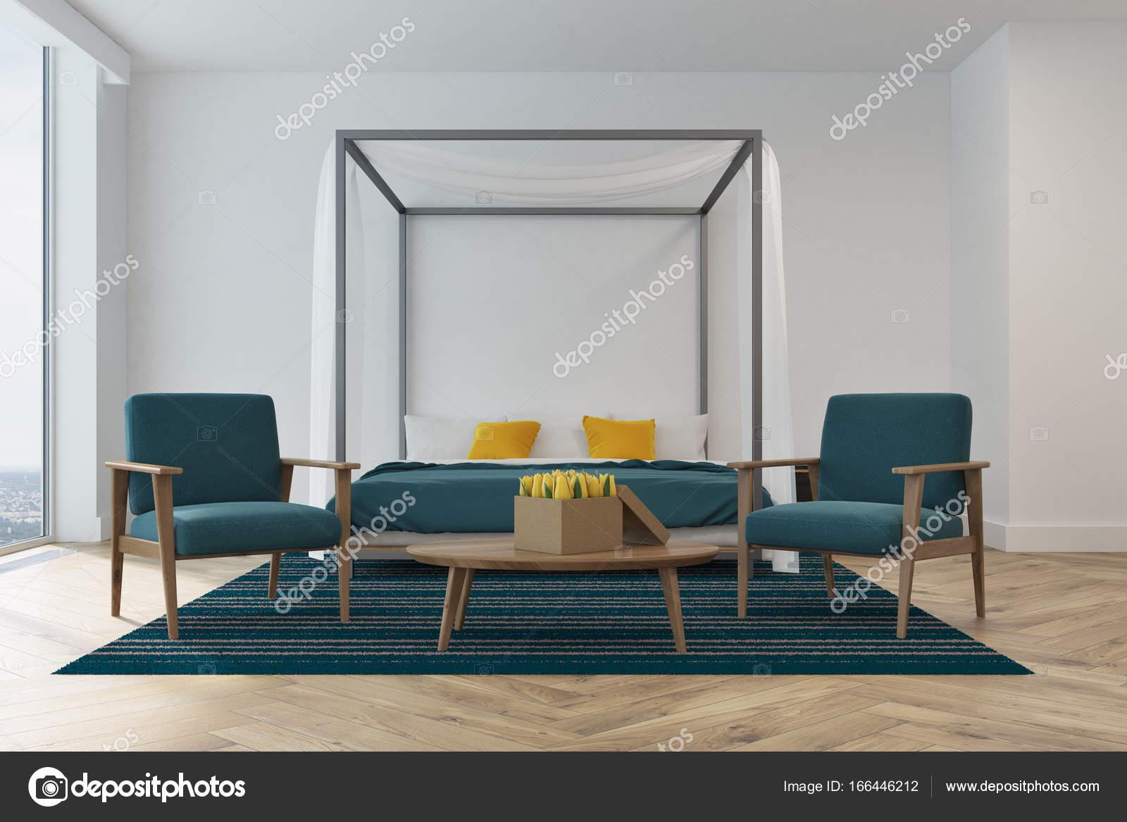 Poltrone camera da letto bianca, blu — Foto Stock © denisismagilov ...