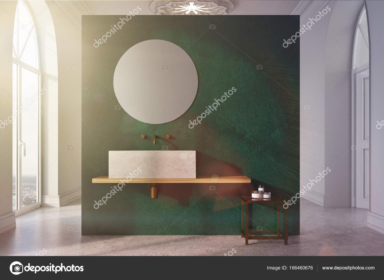 Grüne und weiße Badezimmer, Waschbecken und Spiegel getönt ...