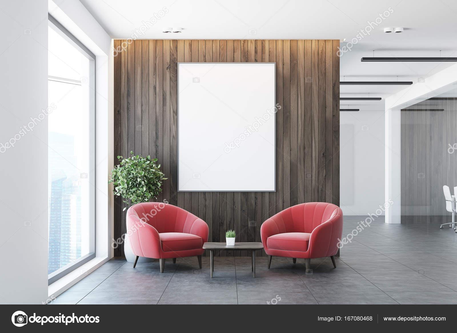 Stühle An Die Wand Hängen weiß und holz büro wartezimmer sessel stockfoto denisismagilov