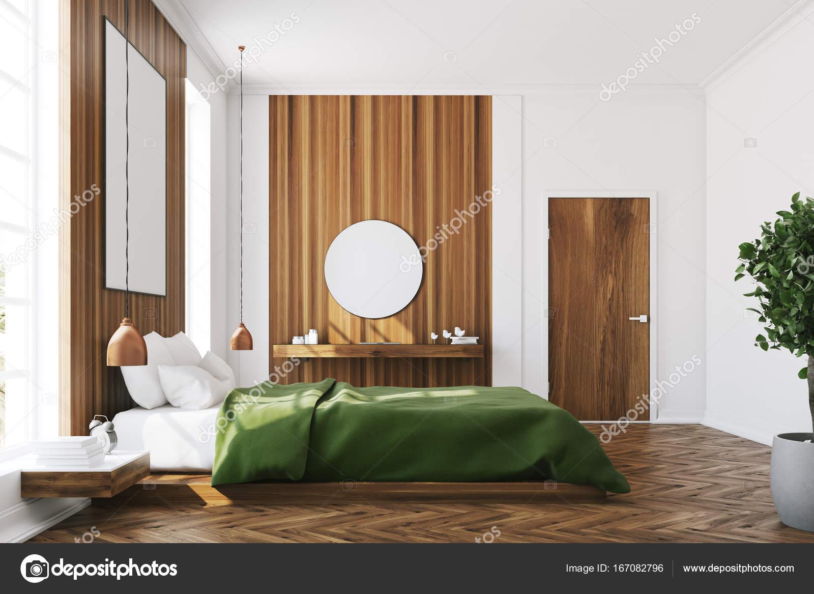 Camera da letto bianca e legno, poster, specchio — Foto Stock ...