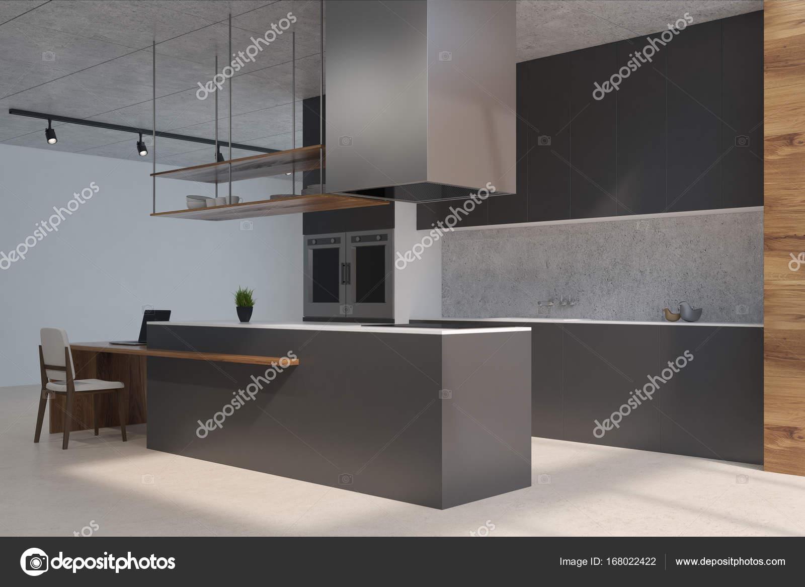 Contatore Di Cucina Nera E In Legno Angolo Foto Stock
