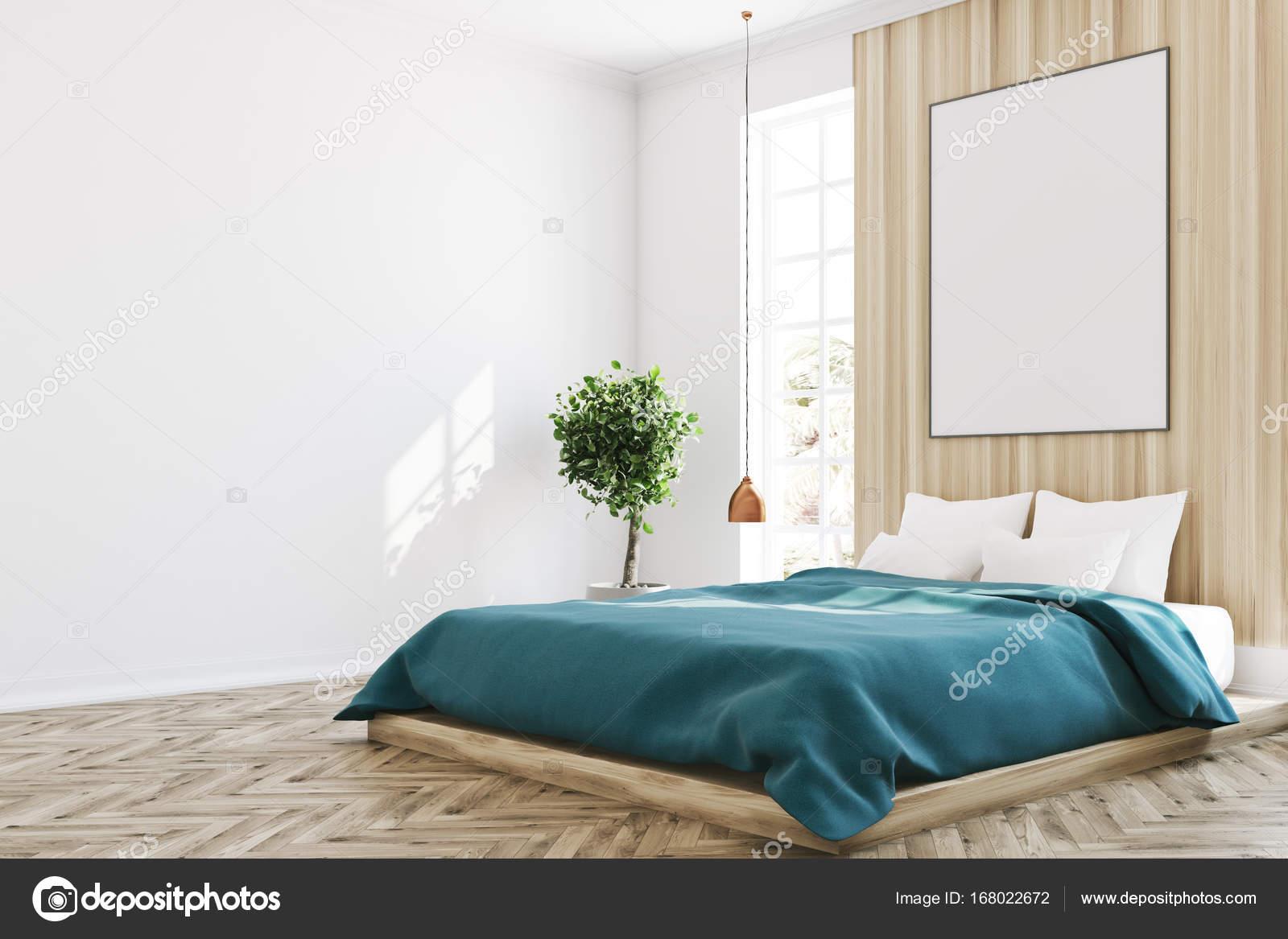 Camera da letto bianca e legno, poster, albero — Foto Stock ...