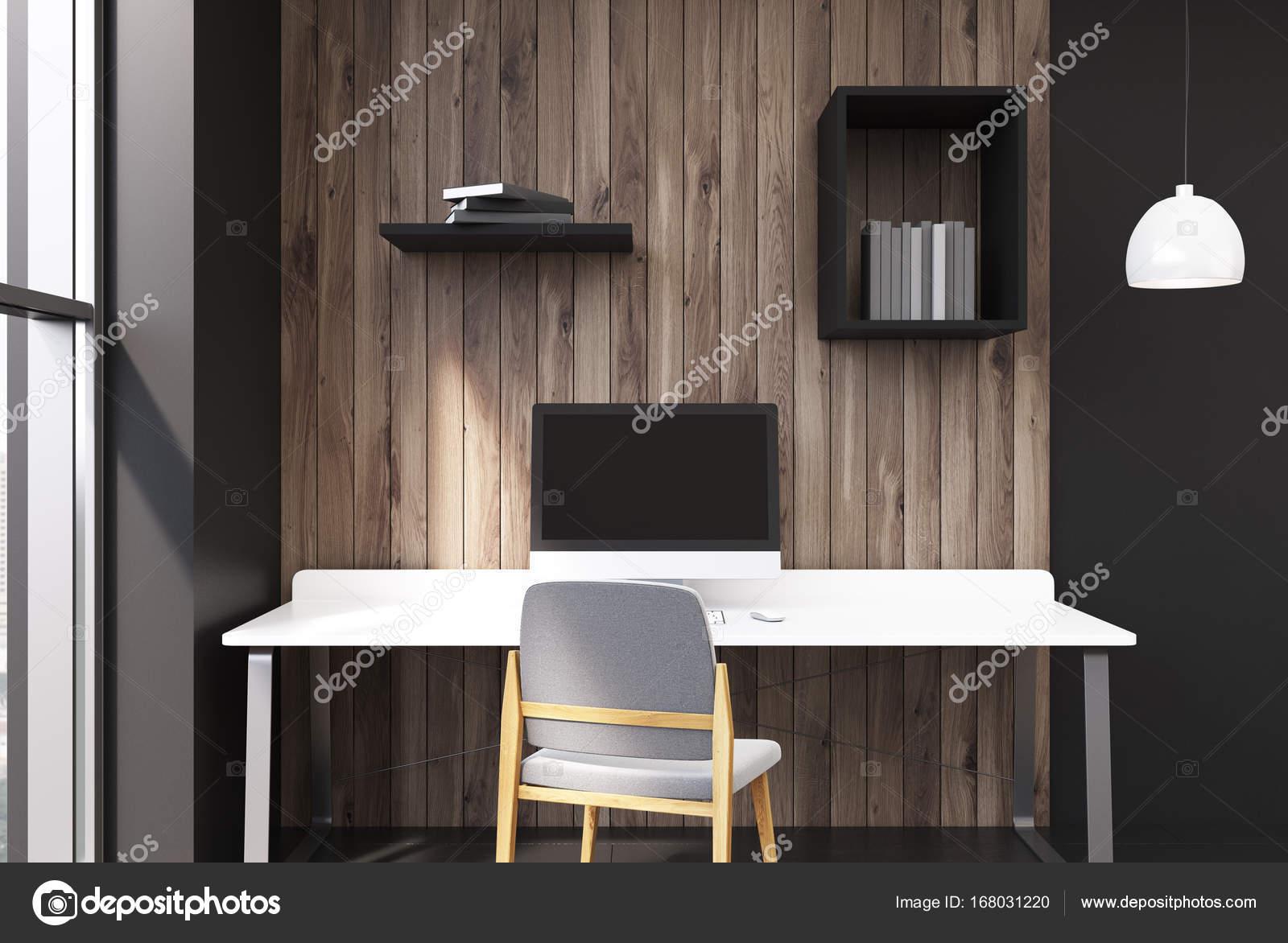 Bureau à la maison noire et en bois u2014 photographie denisismagilov