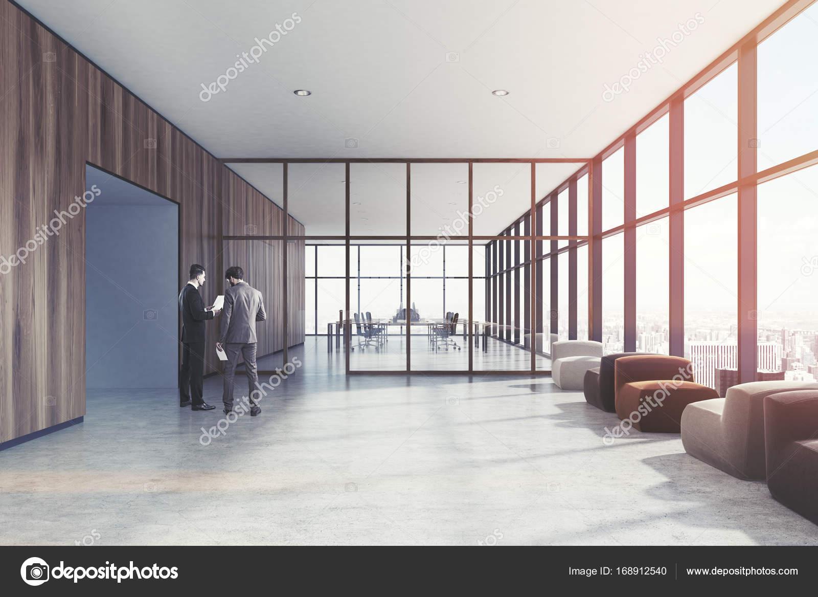Ufficio Elegante Lungi : Sala dattesa in legno poltrone persone u2014 foto stock