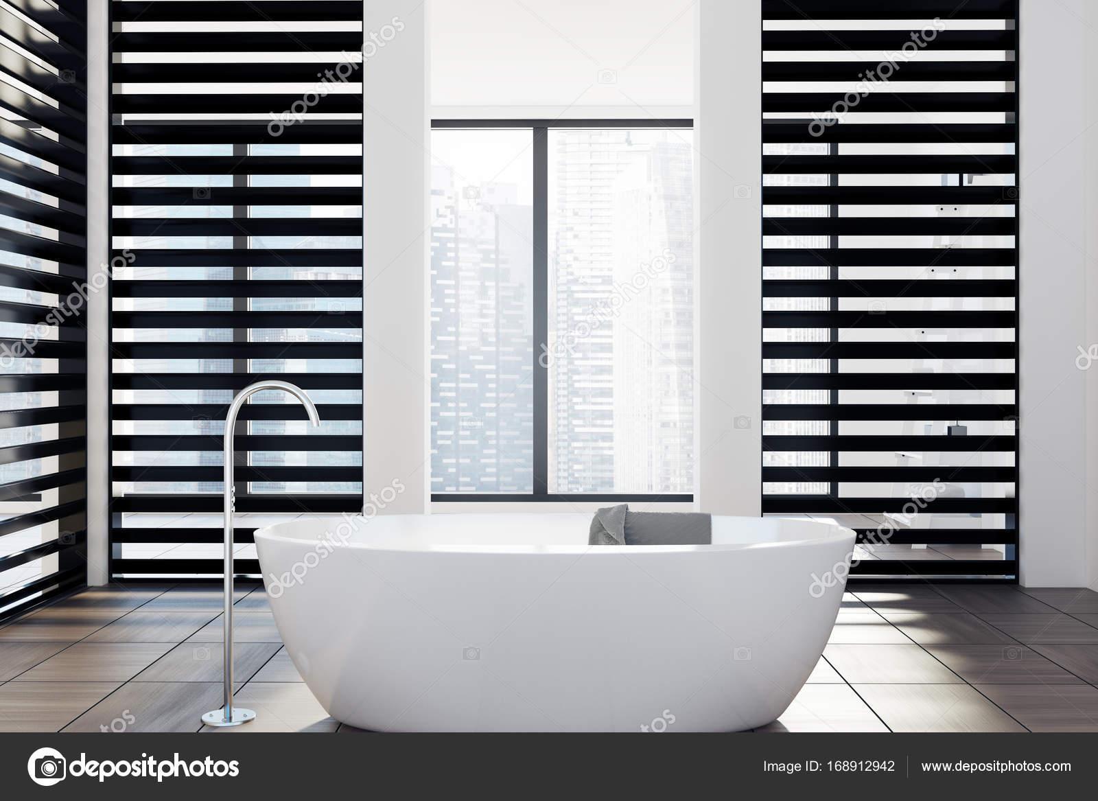 Attractive Luxus Bad Ideas Of Weiße Und Schwarze Bad, Badewanne — Stockfoto