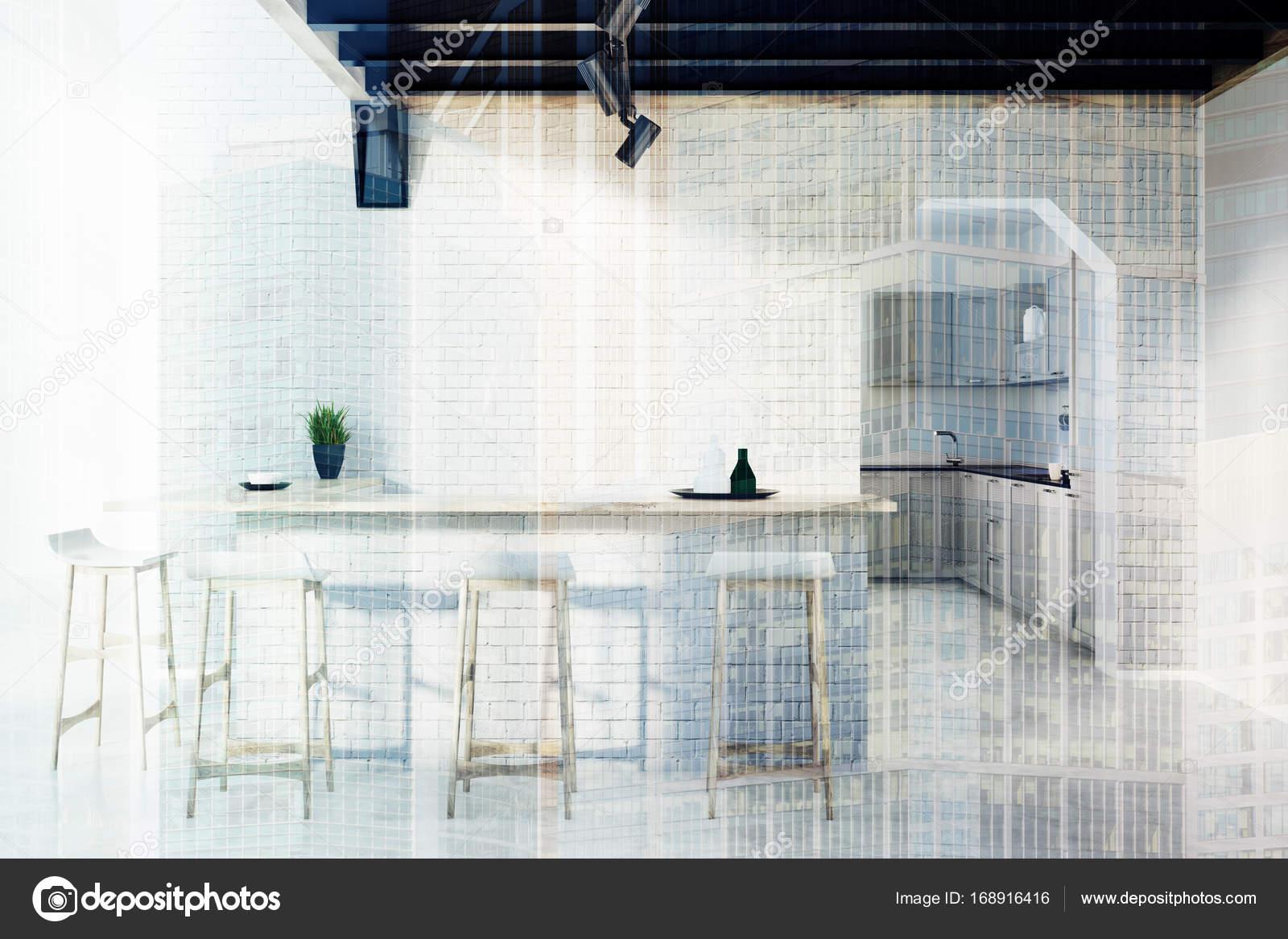 Küchenbar, Hocker und eine Tür doppelt Ziegel — Stockfoto ...