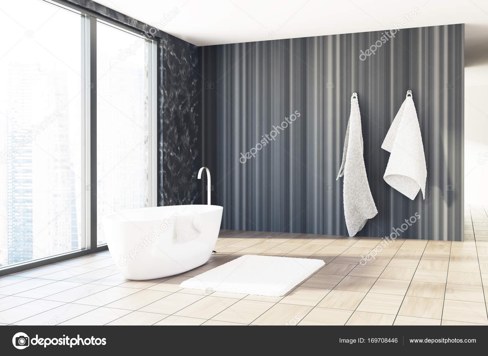 Salle De Bain Couloir Wc ~ Marbre Noir Et Salle De Bains En Bois Baignoire Blanche