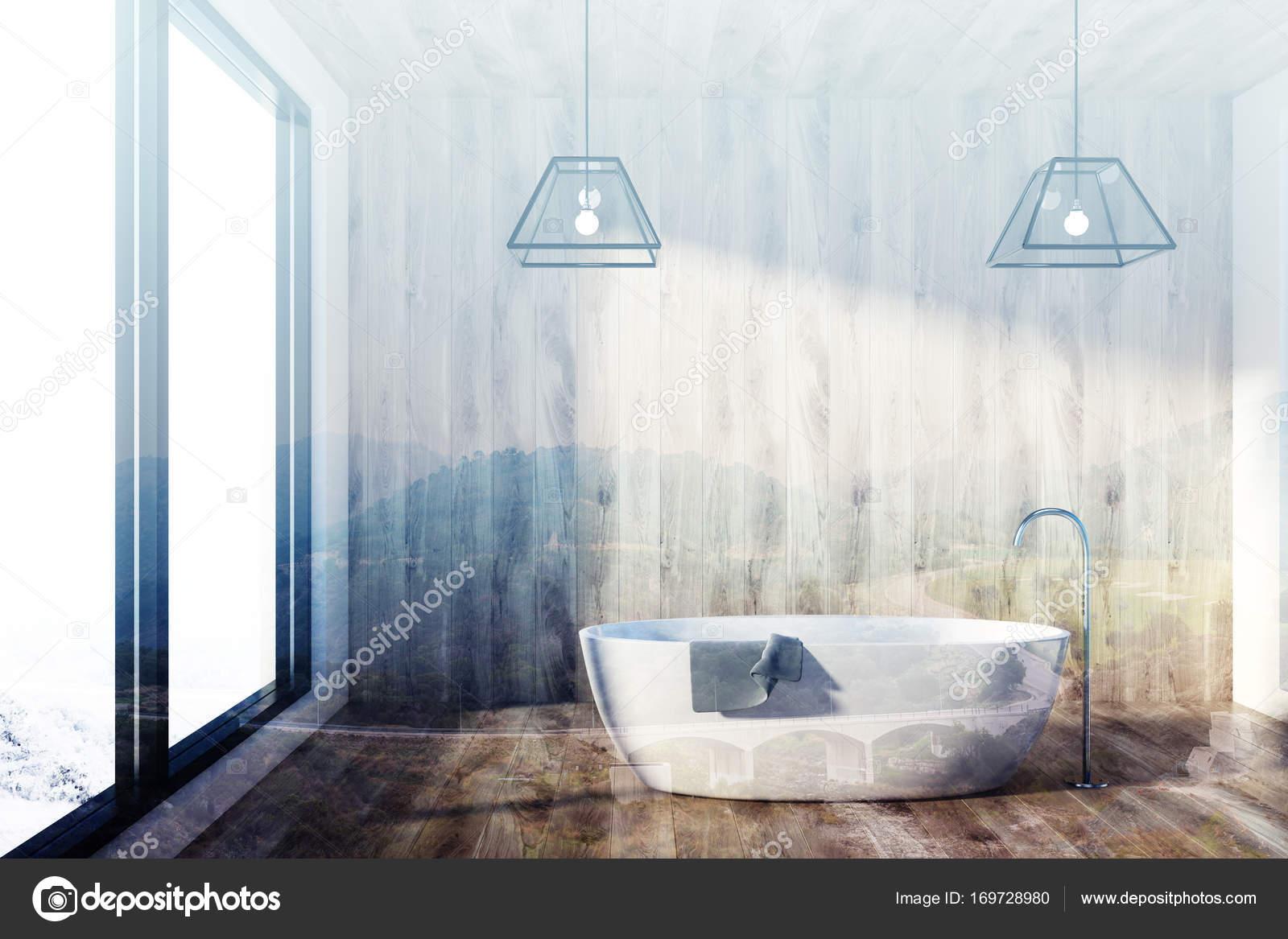 Vasca Da Bagno Doppia : Bagno in legno vasca e finestra doppia u2014 foto stock