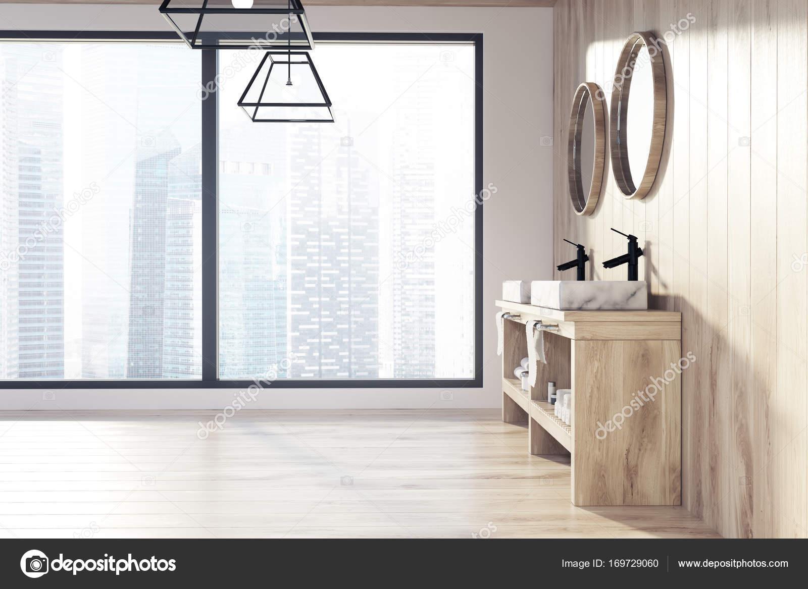 Dachboden aus Holz Bad, Doppelwaschbecken — Stockfoto ...