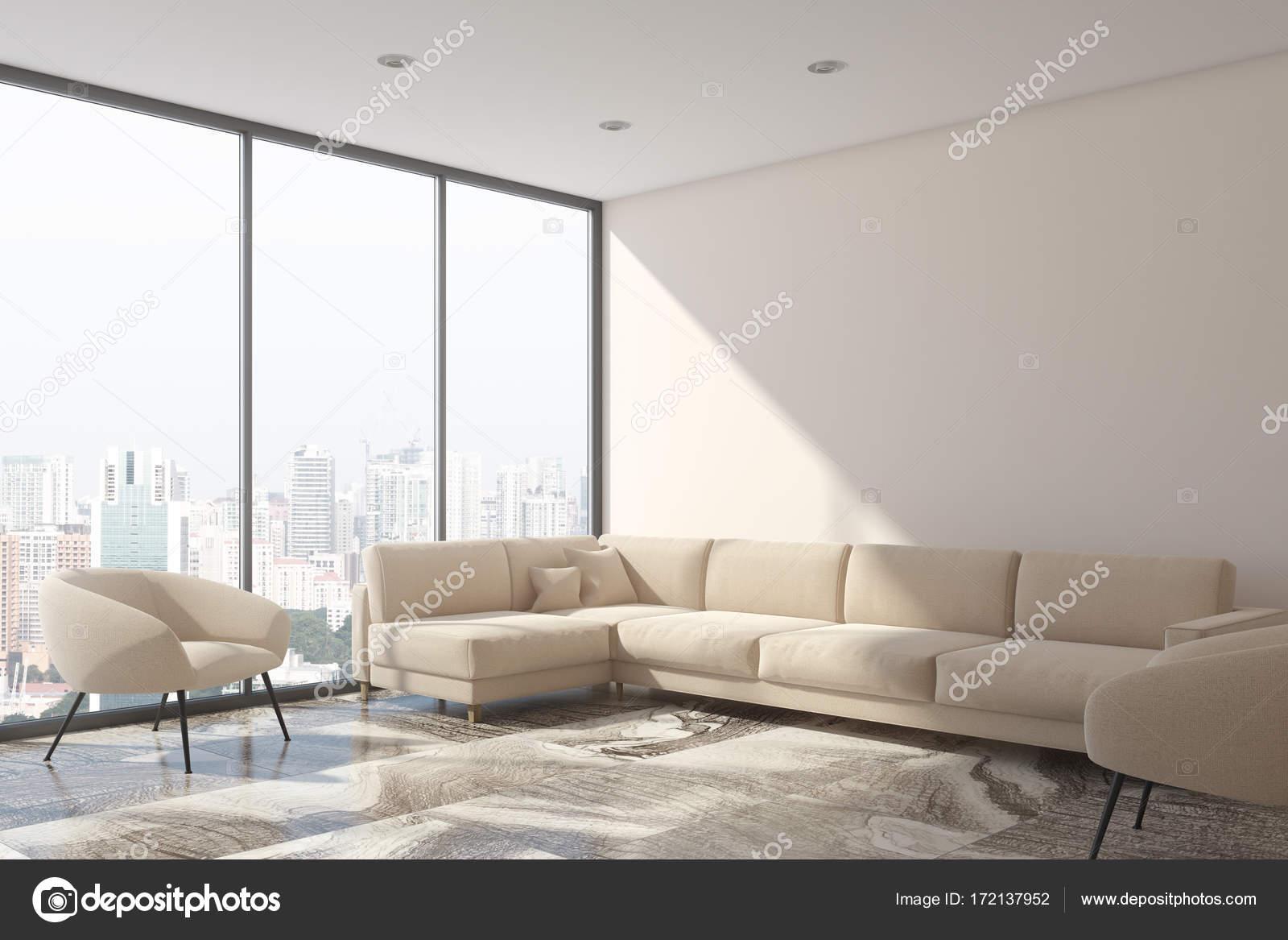 Weiße Wohnzimmer Ecke Mit Einem Beigen Sofa Und Zwei Sesseln. Ein  Panoramafenster Mit Einem Stadtbild. 3D Rendering Mock Up U2014 Foto Von  Denisismagilov