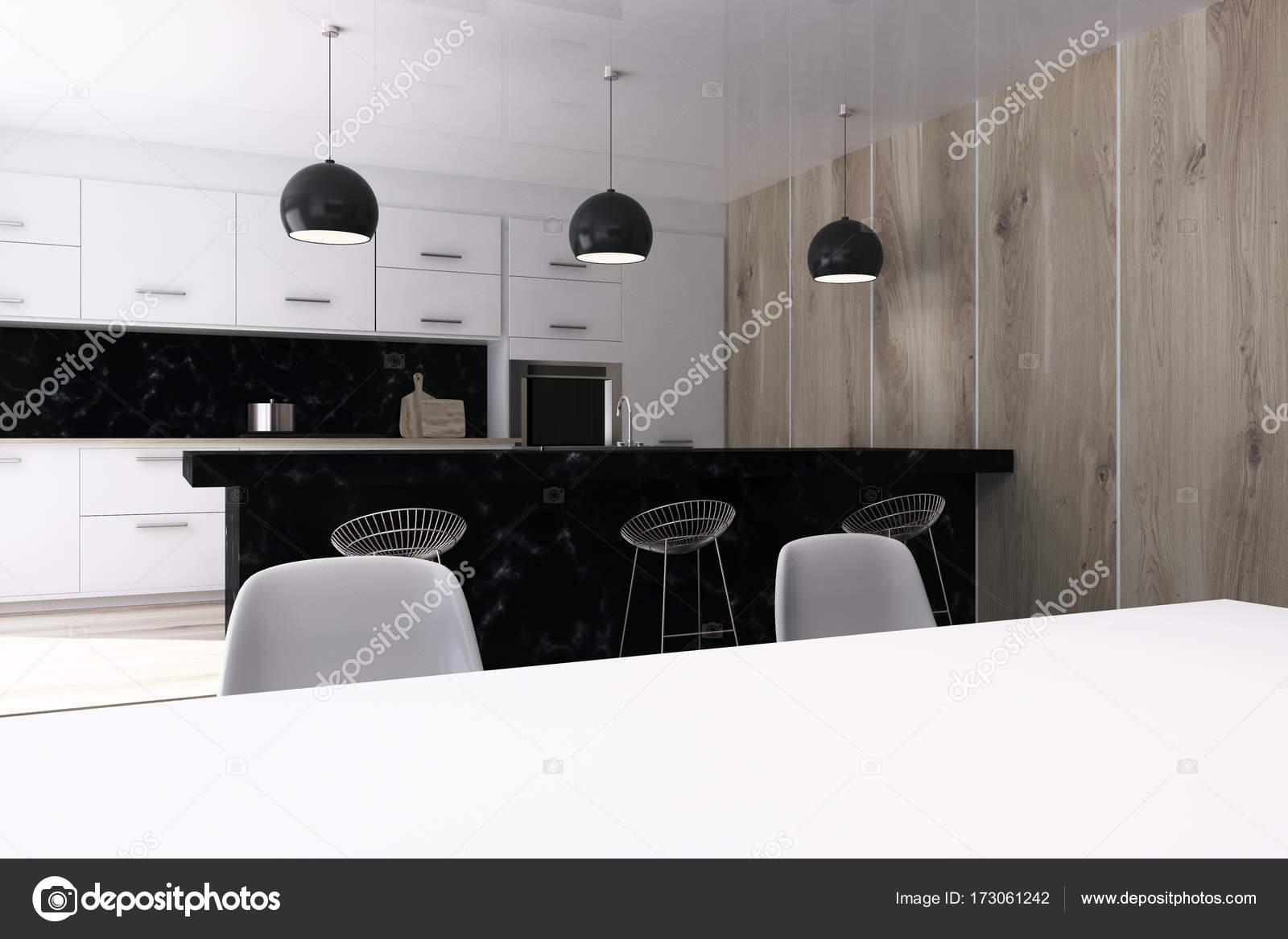 Tavolo Bianco E Nero Cucina.Cucina Bianca Con Una Barra Nera Stand Tavolo Foto Stock