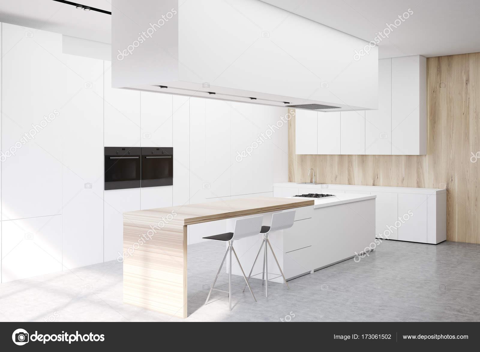 Lado de cocina blanco de lujo — Fotos de Stock © denisismagilov ...