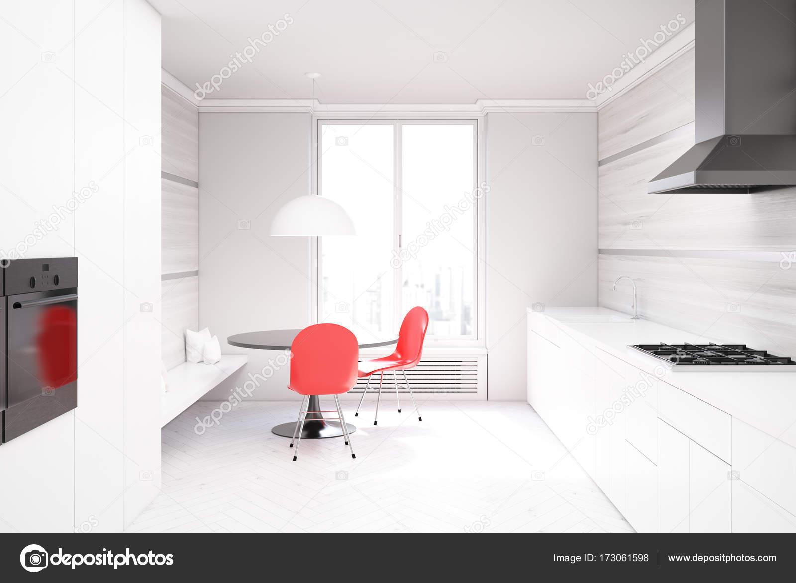 Sedie da cucina in legno e bianco rosso u foto stock