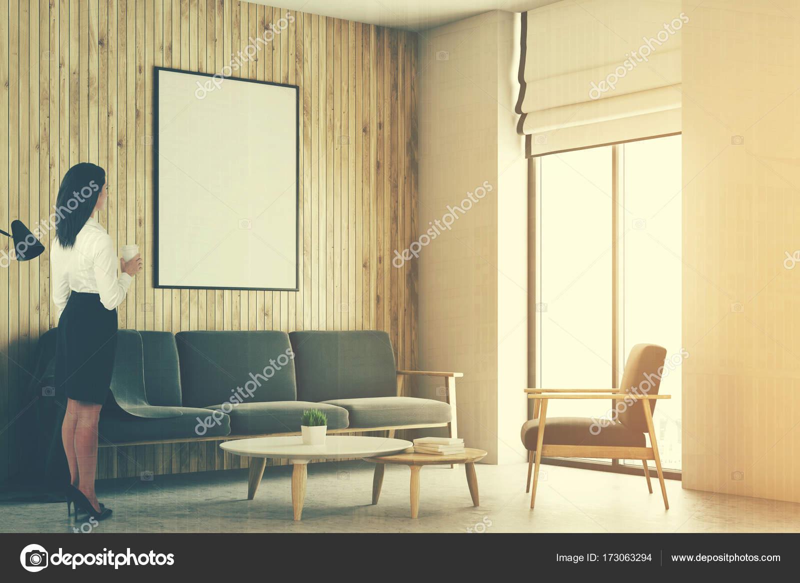 Salón loft blanco y madera, cartel tonificada — Foto de stock ...