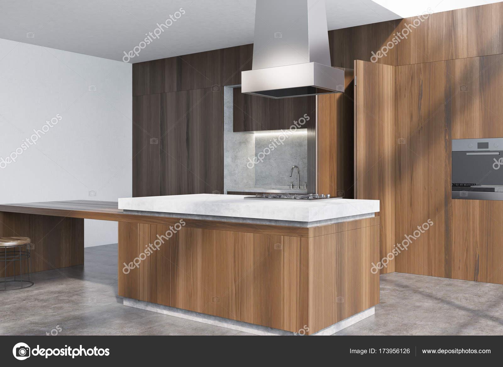 Cocina de madera oscura, en la esquina — Foto de stock ...