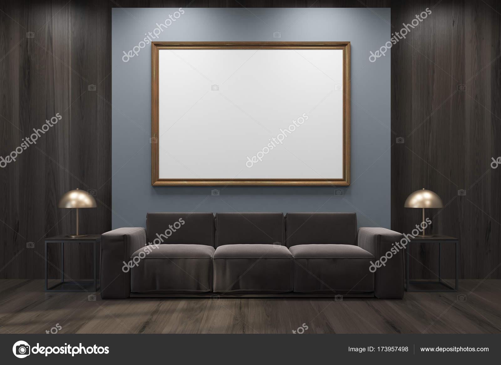 Grau und hölzerne Wohnzimmer, Sofa, gerahmte poster — Stockfoto ...