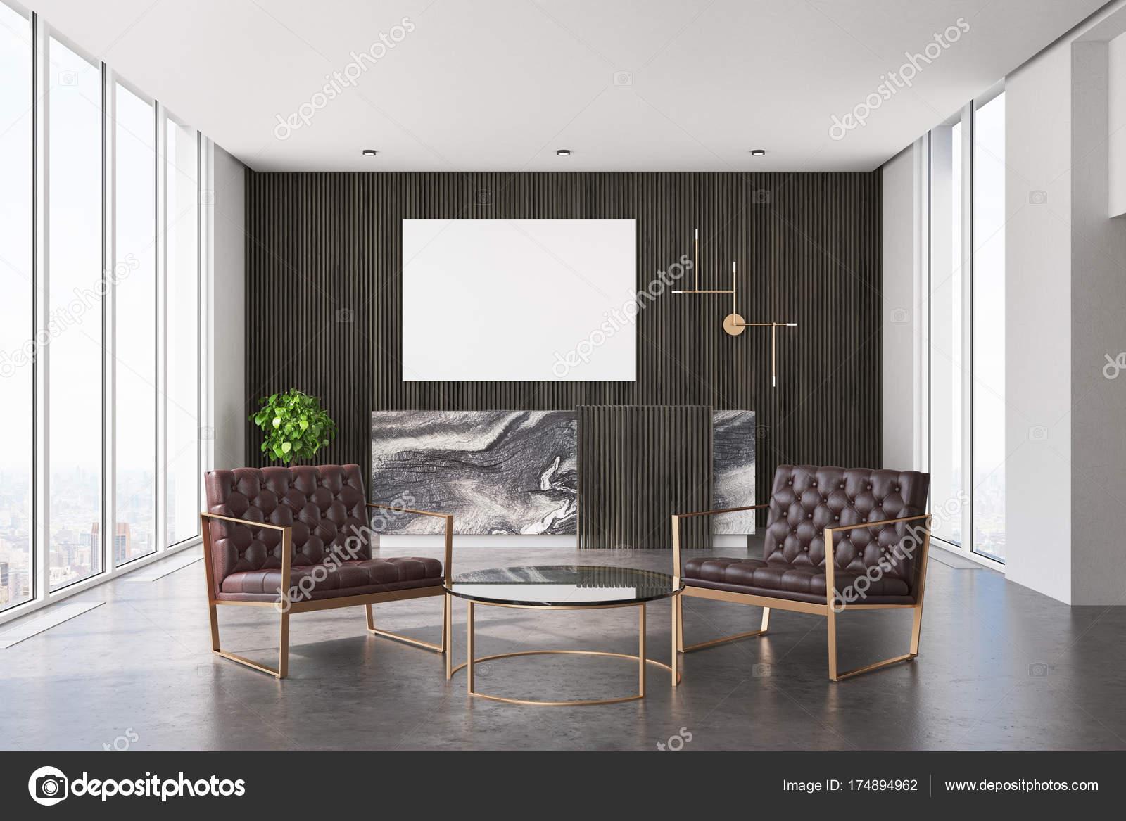 Bureau en bois foncé de réception et de salle d attente