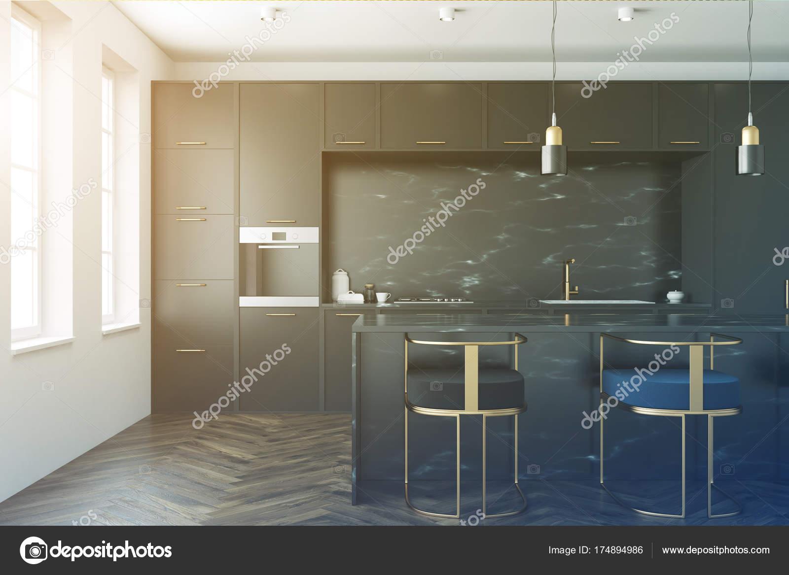 Intérieur de cuisine en marbre noir tonifié — Photographie ...
