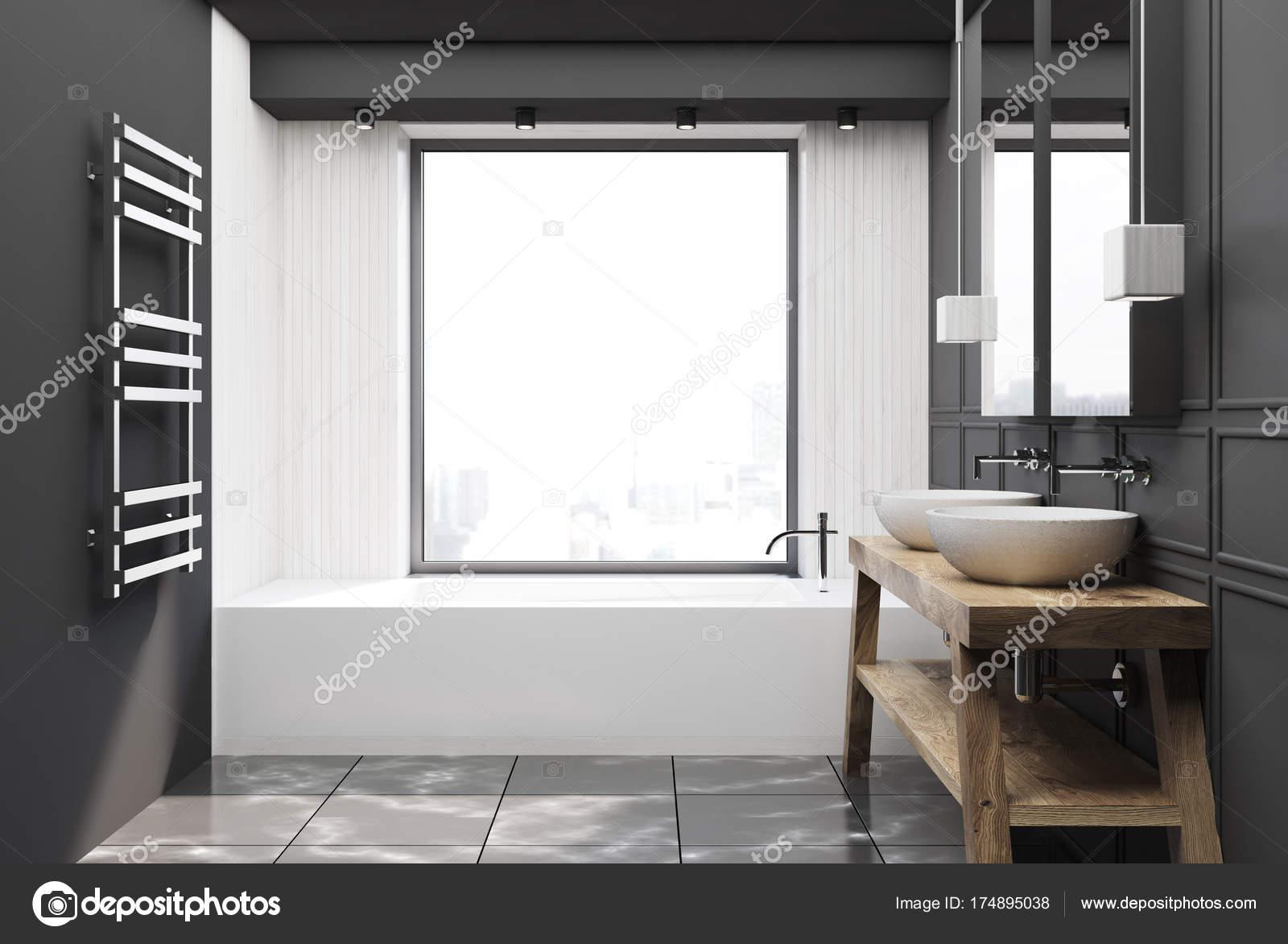 Bagno Legno E Bianco : Bagno in legno grigio e bianco legno u foto stock