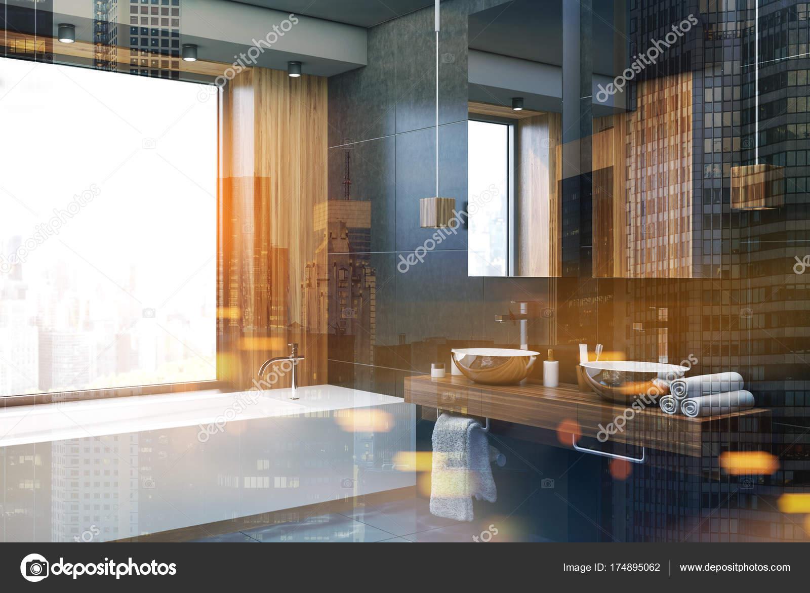 Zwart en houten badkamer hoek toned — Stockfoto © denisismagilov ...