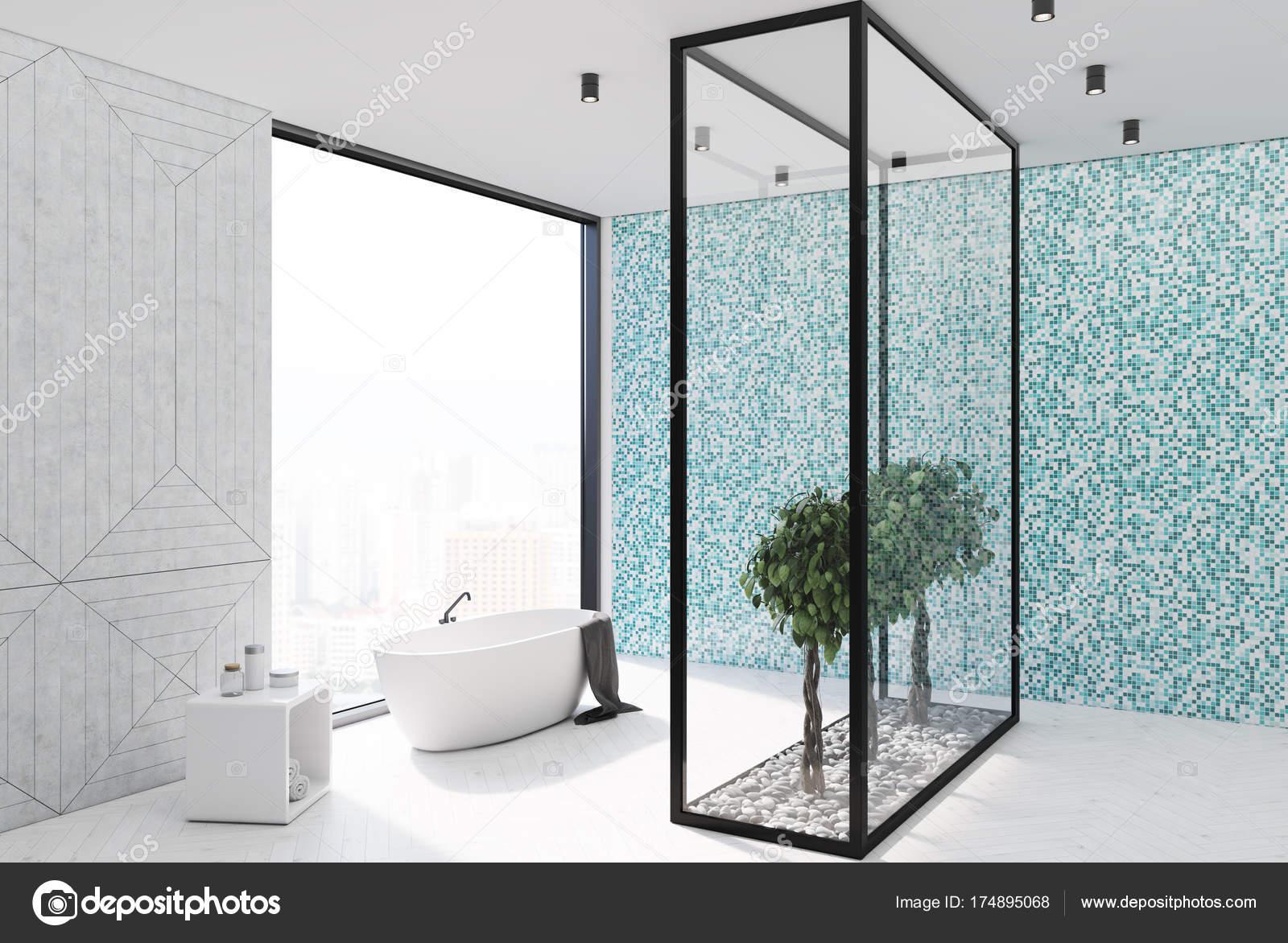 Coin salle de bain carrelage bleue — Photographie denisismagilov ...
