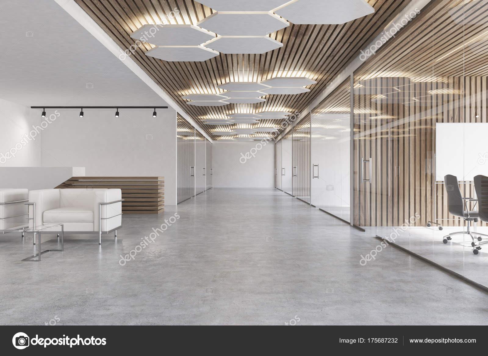 Ufficio Bianco E Legno : Ingresso dell ufficio bianco e legno u foto stock denisismagilov