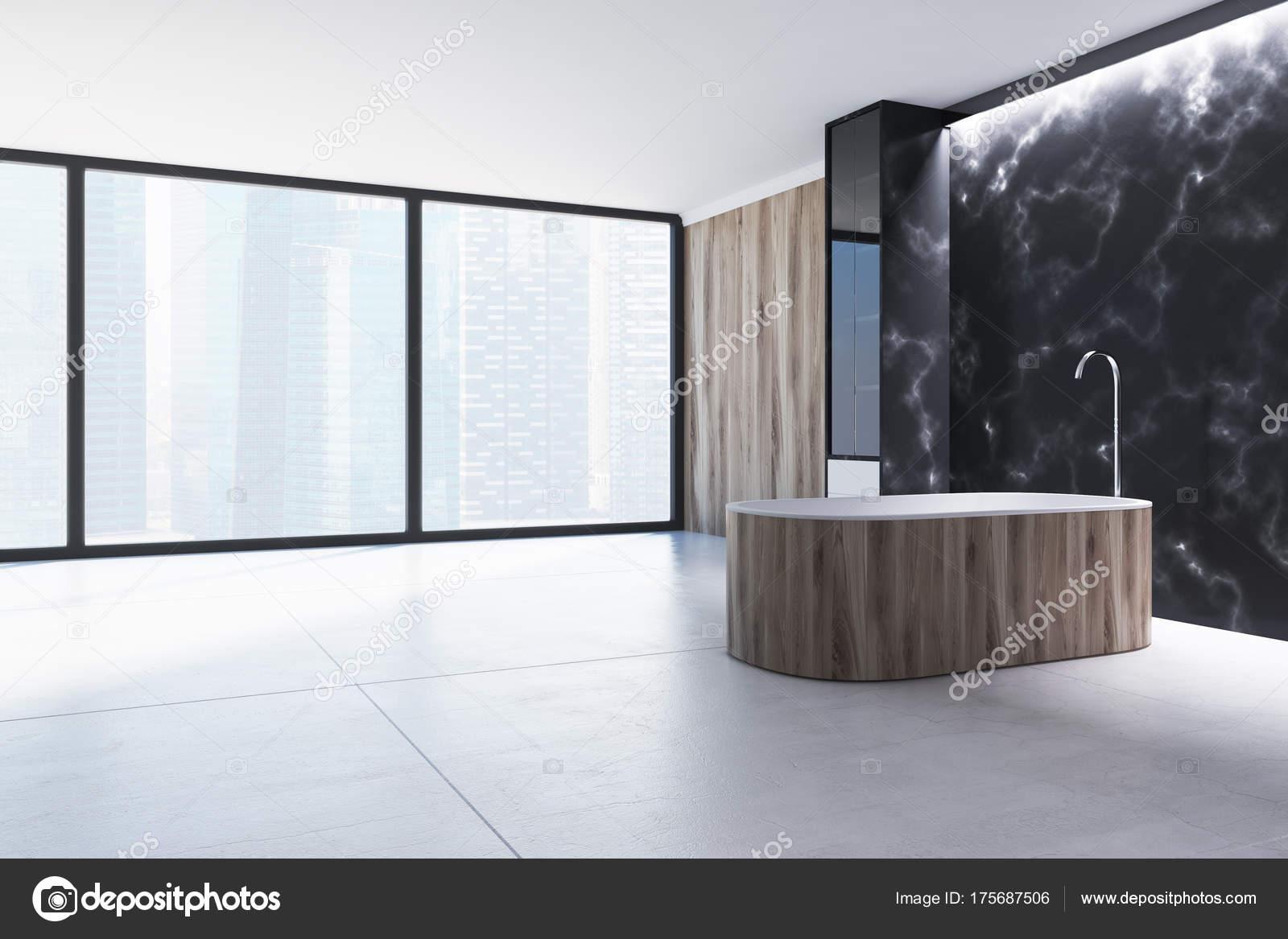 Bagno in marmo nero vasca di legno u foto stock denisismagilov
